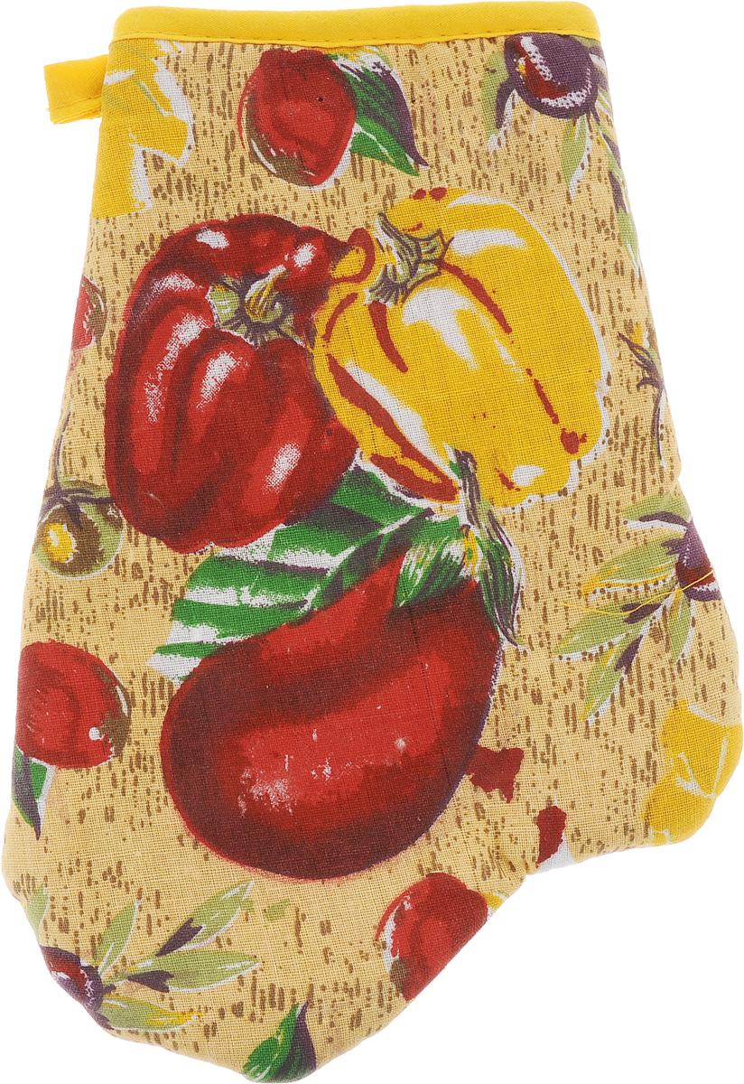 Варежка-прихватка Home Queen Перец, цвет: желтый, красный, зеленый, 17 х 27 см06886-570Варежка-прихватка Home Queen Перец - незаменимый помощник на любой кухне. Варежка выполнена из натурального 100% хлопка и оформлена красивым рисунком в виде 2 перцев и баклажана с лицевой стороны. Задняя сторона простегана, что позволяет наполнителю не скатываться со временем. Варежка мягкая, удобная и практичная. С ее помощью можно доставать горячие противни из духовки, она защитит ваши руки и предотвратит появление ожогов. Красочный дизайн позволит красиво дополнить интерьер кухни. С помощью петельки варежку можно подвесить на крючок.