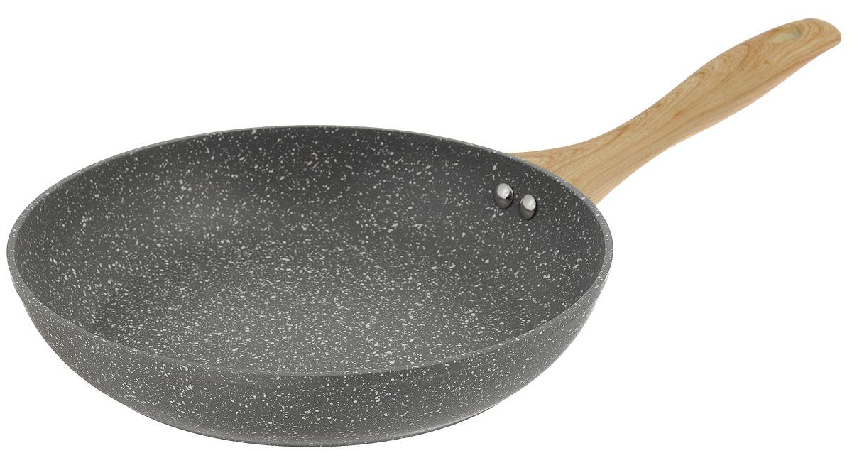 Сковорода Walmer Stonehenge, с антипригарным покрытием. Диаметр 26 смCL-1927Сковорода Walmer Stonehenge изготовлена из кованого алюминия с антипригарным покрытием Marble Coating, обеспечивающим быстрый и равномерный нагрев. Кроме того, с таким покрытием пища не пригорает и не прилипает к стенкам, поэтому можно готовить с минимальным добавлением масла и жиров. Эргономичная ручки из бакелита не нагревается и обеспечивает непревзойдённый комфорт и удобство во время готовки. Дно и стенки очень прочные, не подвержены деформации. Подходит для всех типов плит, включая индукционные.Диаметр по верхнему краю: 26 см.Высота стенки: 5 см. Толщина стенки: 4 мм.Толщина дна: 4 мм.Длина ручки: 21 см.