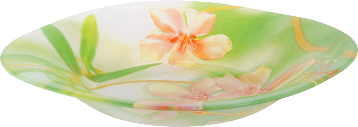Тарелка глубокая Luminarc Freesia, 21 х 21 см115010Глубокая тарелка Luminarc Freesia выполнена изударопрочного стекла и оформлена цветочным рисунком.Изделие сочетает в себе изысканный дизайн с максимальнойфункциональностью. Она прекрасно впишется винтерьер вашей кухни и станет достойным дополнениемк кухонному инвентарю. Тарелка Luminarc Freesia подчеркнет прекрасный вкус хозяйкии станет отличным подарком. Размер (по верхнему краю): 21 х 21 см.