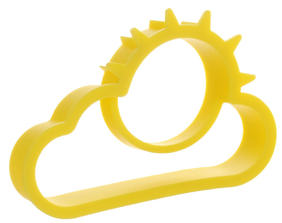 Форма для яичницы Calve, цвет: желтый, 11,3 х 7,5 см391602Форма для яичницы Calve, выполненная из жаростойкого силикона, подходит для приготовления яичницы, омлета, оладий! Она добавит оригинальности обычным блюдам и особенно понравится детям! Форма не повреждает антипригарное покрытие сковород. Для получения идеального результата рекомендуется использовать ее на ровной поверхности сковороды.Поместите форму на сковородку, разбейте в нее яйцо и все! Через несколько минут яичница готова! Размер формы: 11,3 х 7,5 см.