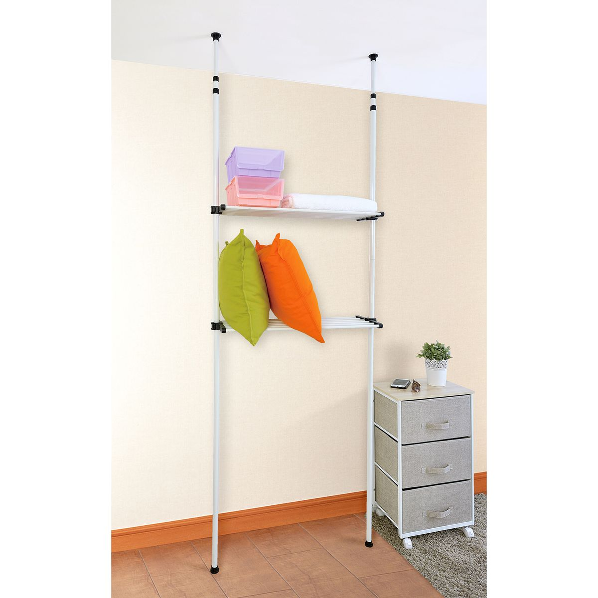 Стойка для одежды Tatkraft Samson, телескопическая, цвет: хромRG-D31STatkraft SAMSON Телескопическая стойка для хранения, две полки для организованного хранения в ванной комнате или в туалете, полки из частых прутья можно использовать как сушилку для полотенец или одежды. Компактная, регулируемая высота - впишется в любое помещение. Размеры: 80*24,5*240-280 см. Материал: сталь, пластик. Упаковка: коробка с наклейкой