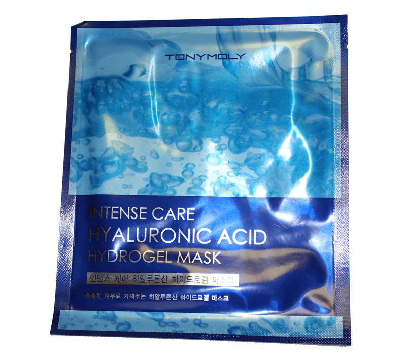 TonyMoly Гидрогелевая маска для лица INTENSE CARE HYALURONIC ACID HYDRO-GEL, 25 млFS-00897Гиалуроновая кислота является наиболее важным компонентом. Ее количество уменьшается с возрастом, поэтому кожа может стать сухой и потерять эластичность. Эта маска увлажняет кожу изнутри и создает защитный слой для длительной мягкости. Комплекс аминокислот и питательных веществ насыщает Вашу кожу полезными микроэлементами и прекрасно увлажняет, действуя не только поверхностно, но и глубоко в клетках. Подходит для всех типов кожи. Марка Tony Moly чаще всего размещает на упаковке (внизу или наверху на спайке двух сторон упаковки, на дне банки, на тубе сбоку) дату изготовления в формате: год/месяц/дата.
