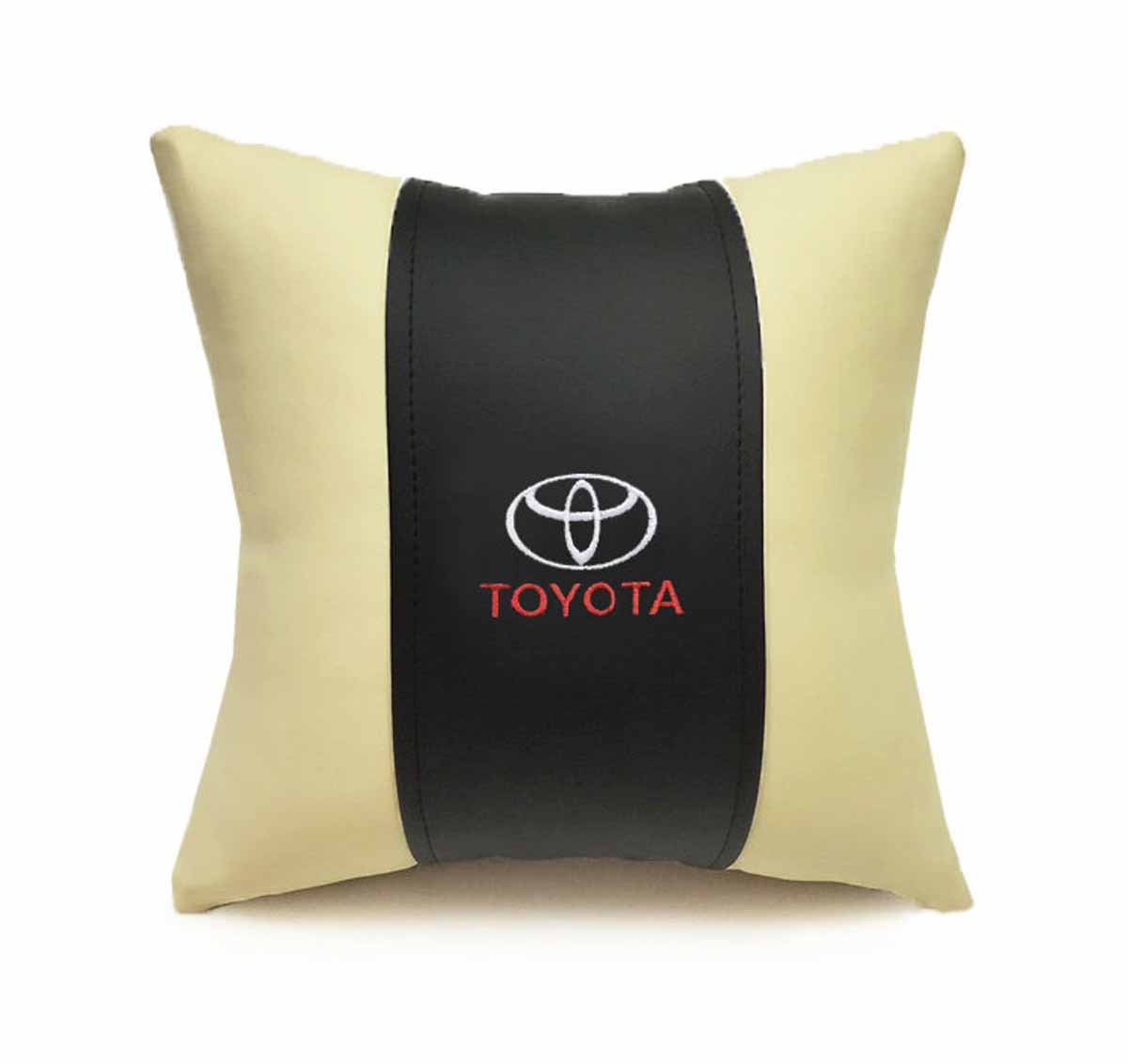 Подушка декоративная Auto Premium Toyota, цвет: черный, бежевый37052Подушка в машину с вышивкой автологотипа Auto Premium Toyota - отличное дополнение для салона вашего авто. Мягкая подушка, изготовленная из матовой экокожи, будет удобна пассажиру. Она долго не перестанет радовать вас своим видом. Оптимальный размер подушки (30 х 30 см) не загромождает салон автомобиля.