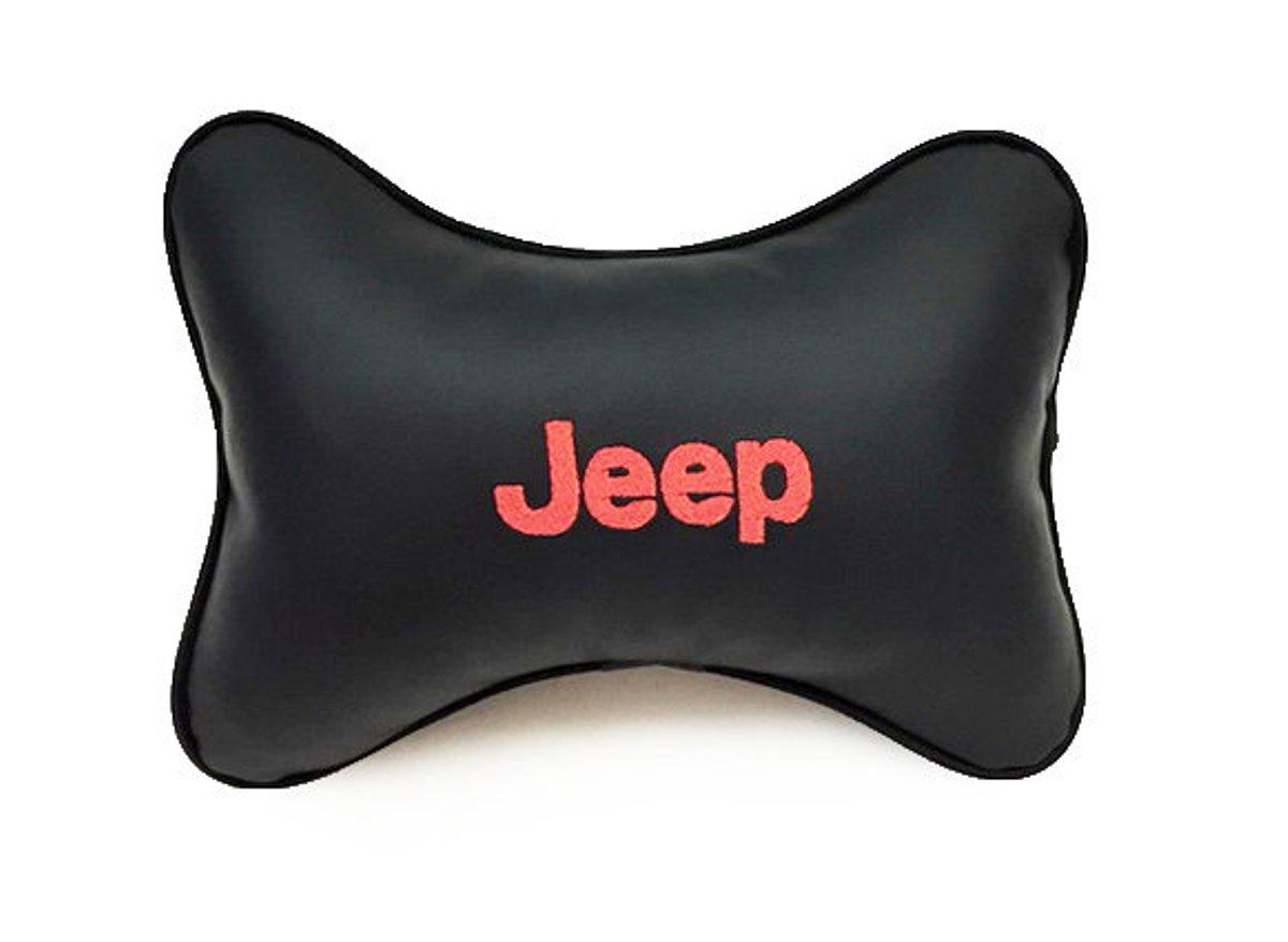 Подушка на подголовник Auto premium JEEP, цвет: черный. 37029K100Подушка на подголовник-это прежде всего это лучший способ создать комфорт для шеи и головы во время пребывания в автомобильном кресле. Большинство штатных подголовников устроены так, что до них попросту не дотянуться. Данный аксессуар полность решает эту проблему, создавая мягкую ортопедическою поддержку.Подушка крепится к сиденью, а это значит один раз поставил - и забыл.Меньше утомляемость - а следовательно выше внимание и концентрация на дороге.Одинакова удобна для пассажира и водителя.Выполнена из эко-кожи, а значит имеет повышенный ресурс и прочность. Легко чистится влажной тряпкой, не требует стирки, не впитывает пыль и грязь. Экокожа дышащий материал, а значит будет комфортно и летом.