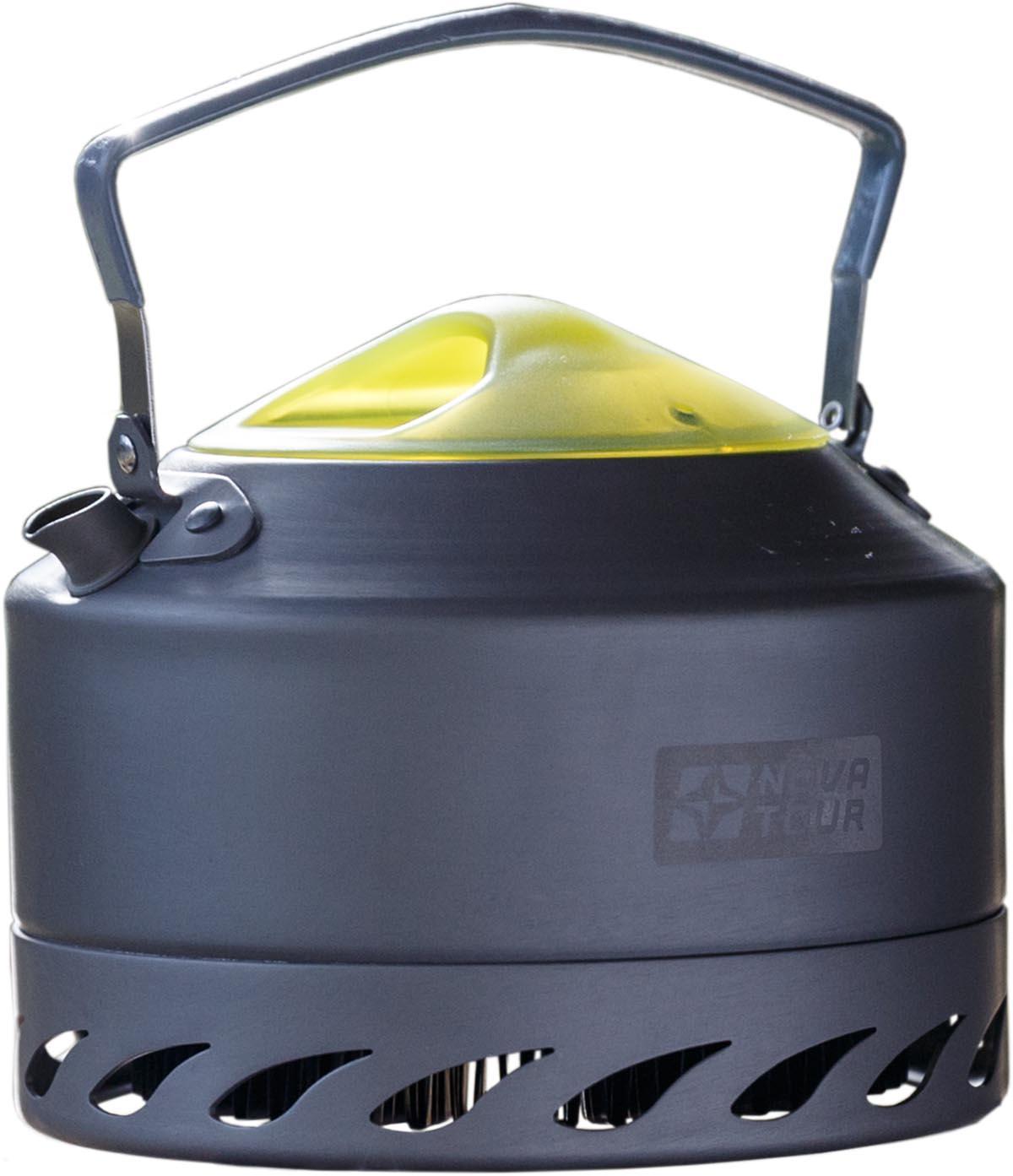Чайник Nova Tour Инферно, 0,9 л, цвет: металлик, красныйVT-1520(SR)Чайник Nova Tour Инферно с радиаторным кольцом на дне, которое позволяет экономить до 50% топлива и уменьшить время приготовления пищи. Небольшой носик не препятствует упаковки в рюкзак.