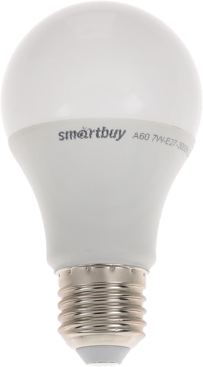 Лампа светодиодная Smartbuy, А60, теплый свет, цоколь Е27, 7 ВтC0027372Светодиодная лампа Smartbuy - энергосберегающая лампа общего освещения, подходит для замены стандартных ламп накаливания и галогенных. Благодаря своей экономичности, длительному сроку службы и экологичности светодиодные лампы выгодно отличаются от своих предшественников. Колба лампы матовая, грушевидной формы. Идеально подходит к любому светильнику, в котором используются данные типы ламп. В светодиодных лампах серии A60 применяются высокоэффективные светодиоды, обеспечивающие эффективность до 80 лм/Вт. При этом коэффициент цветопередачи ламп обеспечивается на уровне Ra>80. Особенности: - Хорошая цветопередача. - Отсутствие мерцания обеспечивает меньшую утомляемость глаз. - Высокоэффективный драйвер обеспечивает стабильную работу. - Устойчивость к механическому воздействию. - Большой срок службы - 30 000 часов работы. - Широкий рабочий температурный режим от -25° до +45°С. - Не содержит ртуть, экологически безопасна. Тип колбы: А60. Индекс цветопередачи: RA>80. Частота: 50 Гц. Напряжение: 220-240 В. Коэффициент мощности: 0,06.