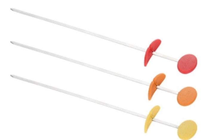 Набор шампуров для гриля Tescoma Presto Tone, длина 30 см, 3 шт00000927Набор шампуров для гриля Tescoma Presto Tone отлично подходит для приготовления и сервировки шашлыков из мяса, овощей, рыбы на сковороде или в духовке. Изделия выполнены из нержавеющей стали и оснащены рукояткой и складной манжеткой из огнеупорного силикона. Практичный и удобный набор Tescoma Presto Tone займет достойное место среди аксессуаров на вашей кухне.Можно мыть в посудомоечной машине.