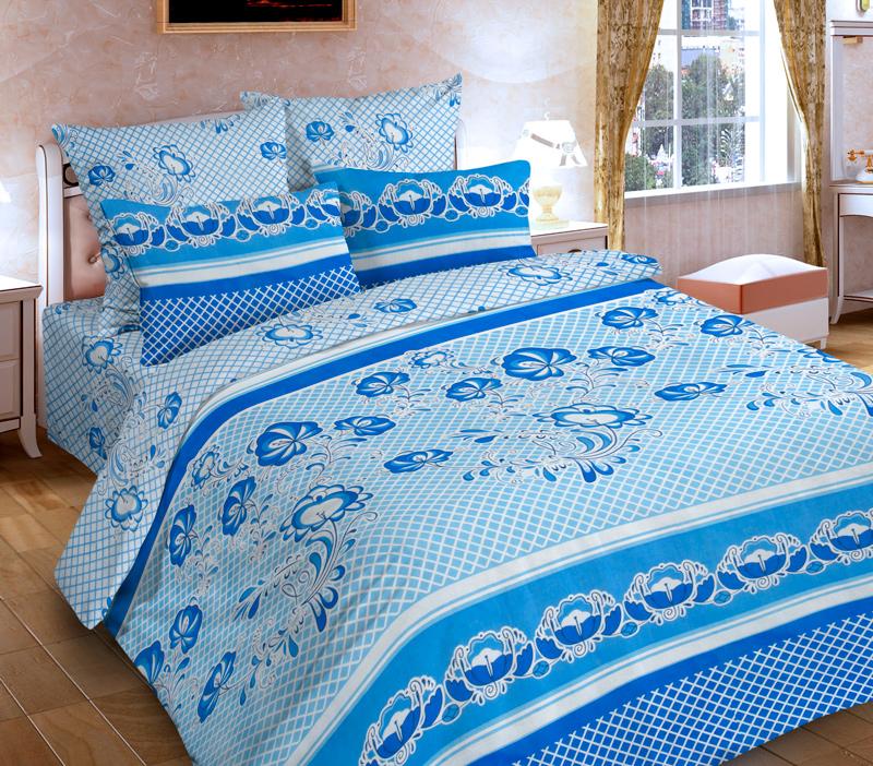 Комплект белья P&W Гжель, 1,5-спальный, наволочки 69х69, цвет: белый, голубой, синий391602Комплект постельного белья P&W Гжель выполнен из микрофибры. Комплект состоит из пододеяльника, простыни и двух наволочек. Постельное белье оформлено изысканным узором.Ткань приятная на ощупь, мягкая и нежная, при этом она прочная и хорошо сохраняет форму, легко гладится. Ткань микрофибра - новая технология в производстве постельного белья. Тонкие волокна, используемые в ткани, производят путем переработки полиамида и полиэстера. Такая нить не впитывает влагу, как хлопок, а пропускает ее через себя, и влага быстро испаряется. Изделие не деформируется и хорошо держит форму. Благодаря такому комплекту постельного белья, вы сможете создать атмосферу роскоши и романтики в вашей спальне.