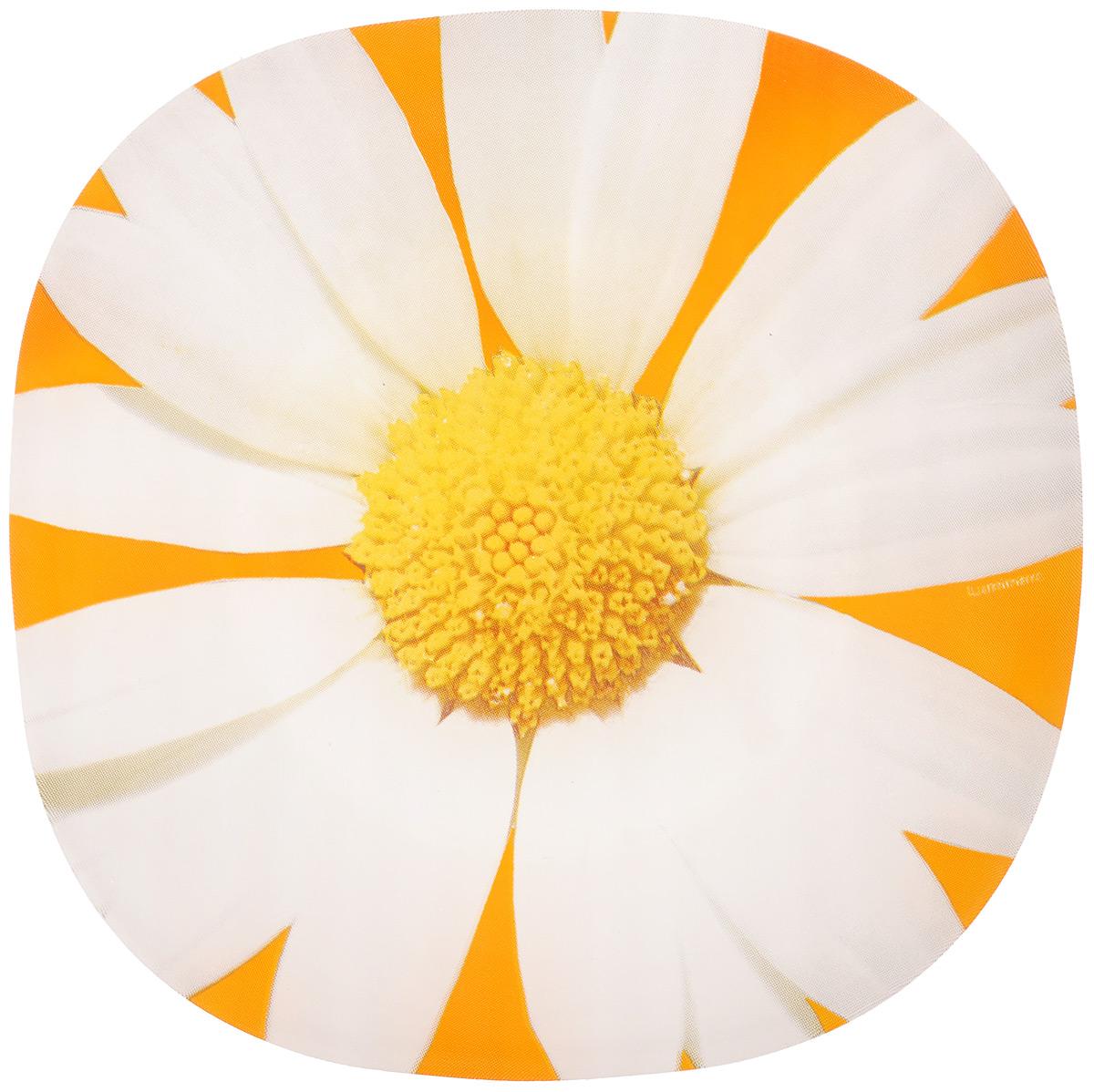 Тарелка десертная Luminarc Paquerette Melon, 18 х 18 см115510Десертная тарелка Luminarc Paquerette Melon, изготовленная из ударопрочного стекла, декорирована красочным изображением ромашки. Такая тарелка прекрасно подходит как для торжественных случаев, так и для повседневного использования. Идеальна для подачи десертов, пирожных, тортов и многого другого. Она прекрасно оформит стол и станет отличным дополнением к вашей коллекции кухонной посуды. Можно использовать в СВЧ и мыть в посудомоечной машине. Размер тарелки: 18 х 18 см. Высота тарелки: 1,5 см.