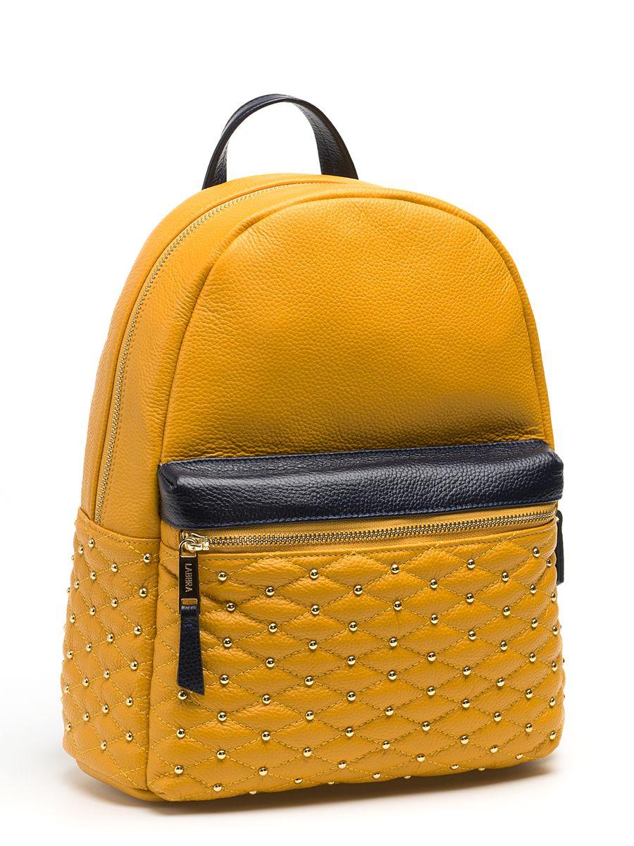 Рюкзак женский Labbra, цвет: желтый. L-SD1013Z90 blackСтильный женский рюкзак Labbra, выполненный из натуральной кожи с зернистой фактурой, оформлен декоративной строчкой и металлическими клепками. Изделие содержит одно основное отделение, закрывающееся на застежку-молнию.Внутри расположены два накладных кармана для мелочей, врезной карман на застежке-молнии и открытый карман для планшета с мягкой стенкой. Лицевая сторона изделия дополнена объемным карманом на застежке-молнии. Рюкзак оснащен удобными лямками регулируемой длины и петлей для подвешивания. В комплекте с изделием поставляется фирменный чехол для хранения.Практичный и стильный аксессуар позволит вам завершить свой образ и быть неотразимой.