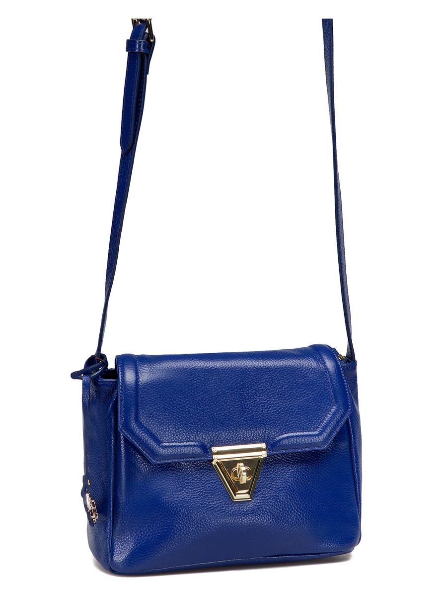 Сумка женская Labbra, цвет: синий. L-SD1032L39845800Изящная маленькая сумка Labbra выполнена из натуральной кожи с зернистой фактурой, декорирована золотистой фурнитурой и подвеской в виде символики бренда. Сумка имеет вместительное основное отделение, которое закрывается клапаном на застежку-вертушку и дополнительно на молнию, и прорезной карман на молнии с тыльной стороны изделия. Внутри имеется прорезной карман на застежке-молнии и два накладных кармана для телефона и мелочей. Изделие оснащено практичным плечевым ремнем, выполненным из кожи Прилагается фирменный текстильный чехол для хранения.Роскошная сумка внесет элегантные нотки в ваш образ и подчеркнет ваше отменное чувство стиля. Лаконичный цвет и простая форма помогут ей вписаться даже в самый сложный и продуманный гардероб.