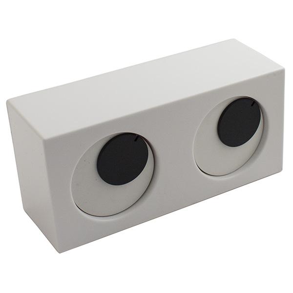 Часы настольные Эврика Строим глазкиSC - ACD09CНа смену знаменитым ходикам пришли моргалки! Часики с глазками устроены очень забавно: один глаз отсчитывает минуты, указывая их количество риской в зрачке, второй глаз – часы. Необычный дизайн позволяет удачно вписать часы как в интерьер детской комнаты, так и в современную гостиную или офис. Работают от 2 батареек типа АА (R06) 1,5 V.