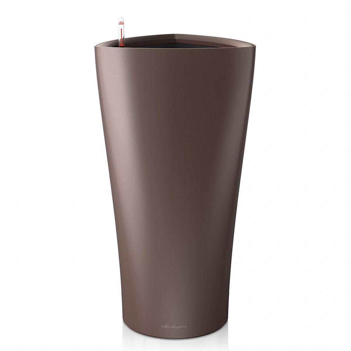 Кашпо Lechuza Delta, с системой автополива, цвет: эспрессо, 30 х 30 х 56 см15517Кашпо Lechuza Delta, выполненное из высококачественного пластика, имеет уникальную систему автополива, благодаря которой корневая система растения непрерывно снабжается влагой из резервуара. Уровень воды в резервуаре контролируется с помощью специального индикатора. В зависимости от размера кашпо и растения воды хватает на 2-12 недель. Это способствует хорошему росту цветов и предотвращает переувлажнение.В набор входит: кашпо, внутренний горшок, индикатор уровня воды, вал подачи воды, субстрат растений в качестве дренажного слоя, резервуар для воды.Кашпо Lechuza Delta прекрасно впишется в любой интерьер. Оно поможет расставить нужные акценты и придаст помещению вид, соответствующий вашим представлениям.