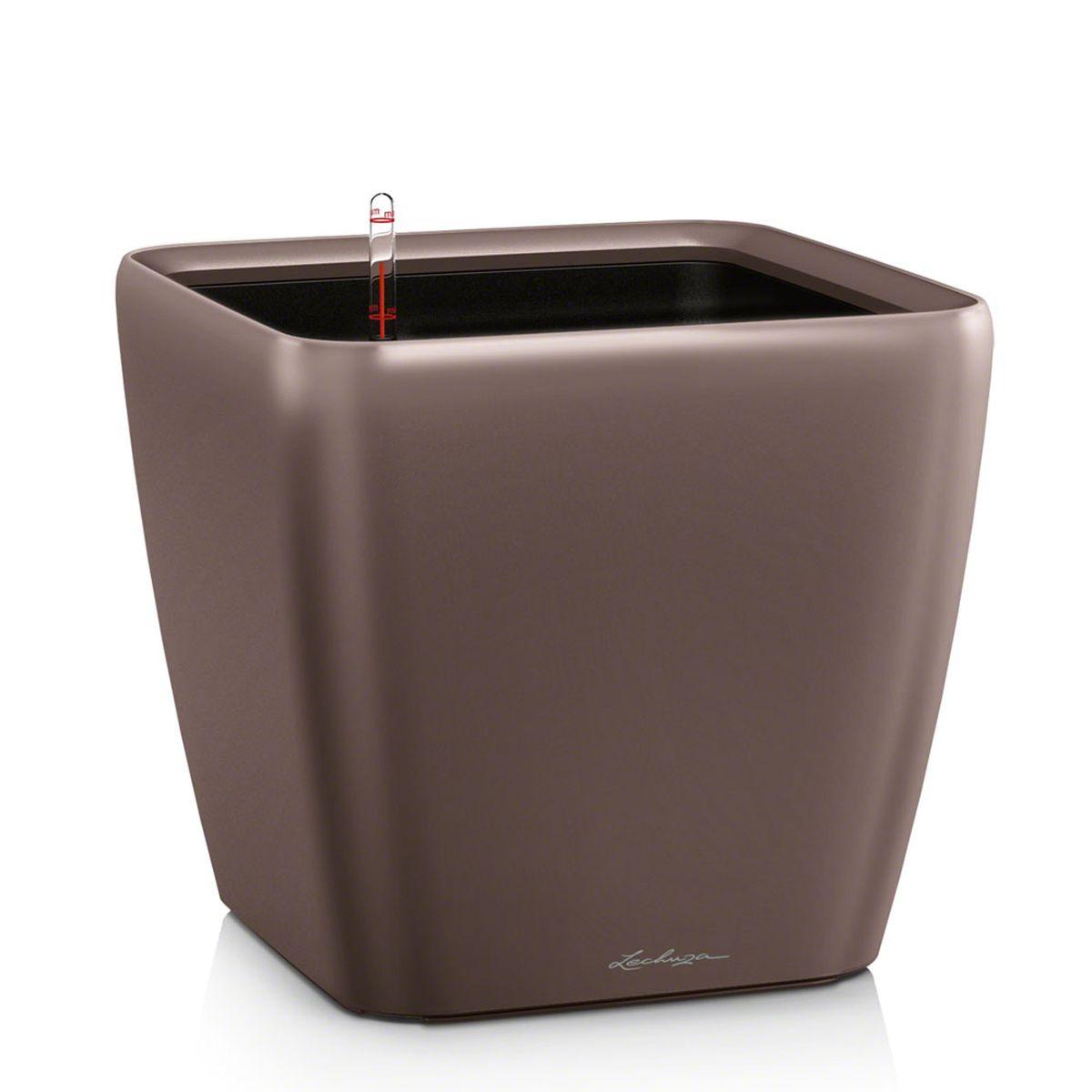 Кашпо Lechuza Quadro, с системой автополива, цвет: эспрессо, 43 х 43 х 40 смKOC_SOL249_G4Кашпо Lechuza Quadro, выполненное из высококачественного пластика, имеет уникальную систему автополива, благодаря которой корневая система растения непрерывно снабжается влагой из резервуара. Уровень воды в резервуаре контролируется с помощью специального индикатора. В зависимости от размера кашпо и растения воды хватает на 2-12 недель. Это способствует хорошему росту цветов и предотвращает переувлажнение.В набор входит: кашпо, внутренний горшок, индикатор уровня воды, вал подачи воды, субстрат растений в качестве дренажного слоя, резервуар для воды. Кашпо Lechuza Quadro прекрасно впишется в любой интерьер. Оно поможет расставить нужные акценты, а также придаст помещению вид, соответствующий вашим представлениям.
