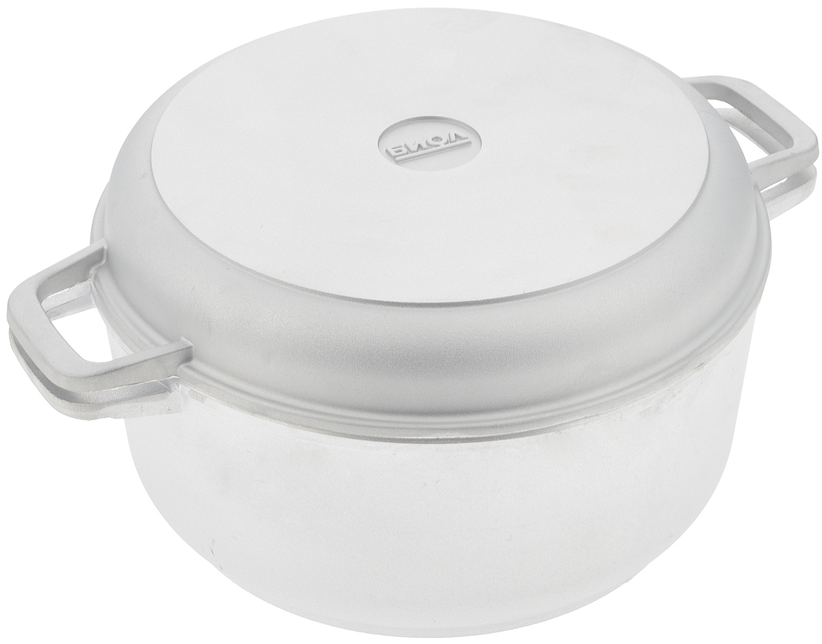 Кастрюля Биол с крышкой-сковородой, 5 лCM000001327Кастрюля Биол изготовлена из литого алюминия с утолщенным дном. Изделие оснащено плотно прилегающей крышкой, которая также является сковородой.Кастрюля снабжена двумя эргономичными ручками для комфортного хвата. Кастрюлю и крышку можно использовать как вместе, так и отдельно. Нельзя оставлять приготовленную пищу в посуде для хранения. Кастрюлю можно использовать на газовых, электрических и стеклокерамических плитах, но кроме индукционных. Рекомендовано мыть вручную. Диаметр кастрюли по верхнему краю: 27 см.Ширина кастрюли (с учетом ручек): 34,5 см.Высота стенки кастрюли: 12 см.Толщина стенки: 4 мм. Толщина дна: 7 мм. Диаметр крышки по верхнему краю: 27 см.Высота крышки: 4,3 см.Ширина крышки с учетом ручек: 34,5 см.