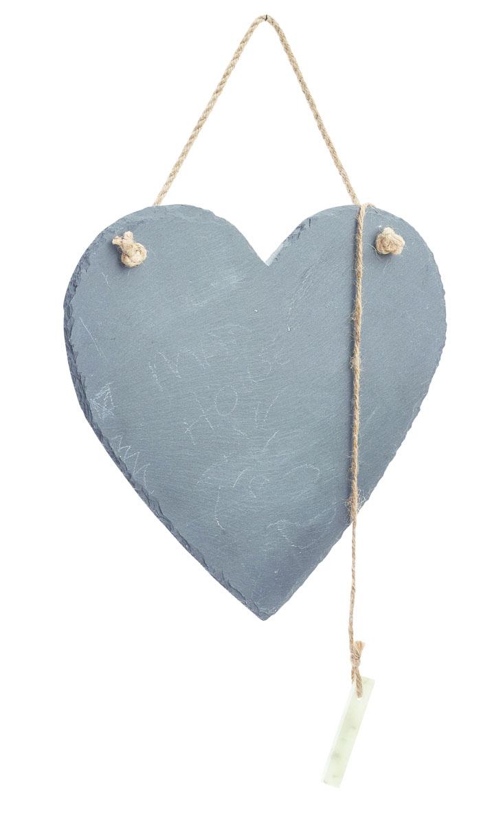 Доска для заметок Gardman Love Heart, с мелом,21 х 25 см12723Доска Gardman Love Heart изготовлена из натурального сланца и предназначена для заметок и надписей-напоминаний. Записи делаются мелом (входит в комплект) и стираются обычной влажной губкой. С помощью джутовой веревки доску можно повесить в любом удобном для вас месте.Компактные размеры доски позволят вам разместить ее на видном месте и делать важные пометки.Размер: 21 х 25 см.