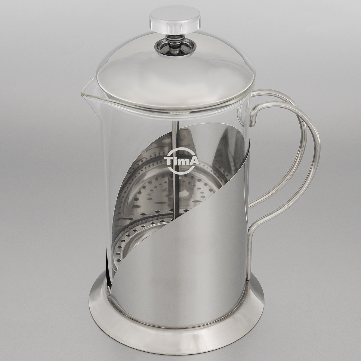 Френч-пресс TimA Тирамису, 800 млVS-2615Френч-пресс TimA Тирамису специально предназначен для приготовления кофе или чая методом настаивания и отжима. Преимуществ, которыми обладает френч-пресс перед обычным заварником, немало. Это удобство: засыпав чай под поршень и закрыв конструкцию крышкой, вы можете после заваривания разливать чай без использования дополнительных фильтров и других приспособлений. Кроме того, френч-пресс на столе смотрится очень элегантно - все участники чаепития смогут не только насладиться безупречным вкусом напитка, но и наблюдать процесс заваривания, раскрытия вкуса и цвета чая, высвобождения его аромата. Френч-пресс позволяет полностью извлечь полезные вещества из травяных чаев. Можно мыть в посудомоечной машине. Диаметр основания: 12 см. Диаметр (по верхнему краю): 10 см. Высота френч-пресса: 22 см.