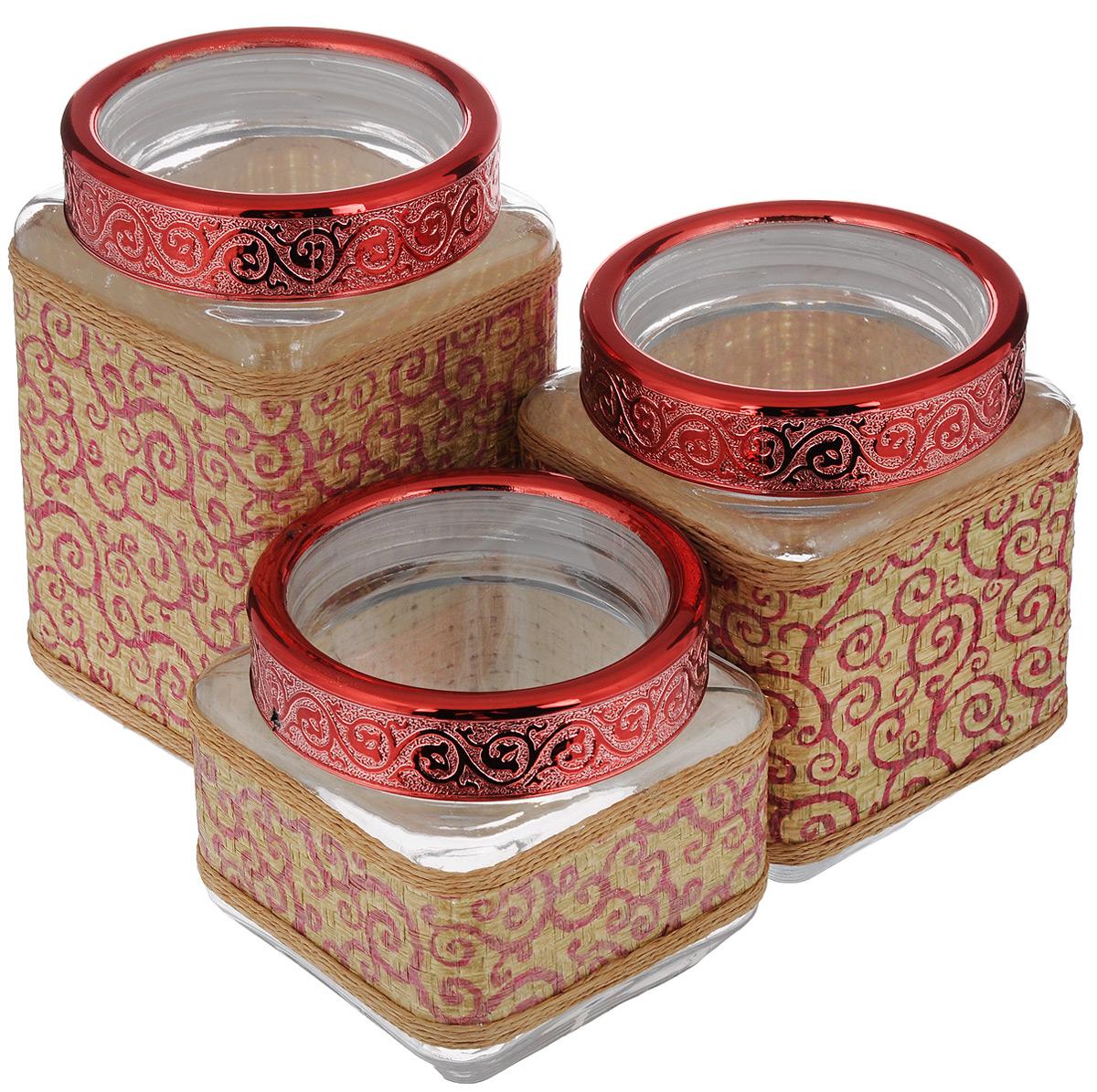 Набор банок для сыпучих продуктов Mayer & Boch, 3 шт. 25509VT-1520(SR)Набор Mayer & Boch состоит из трех банок разного объема, предназначенных для хранения сыпучих продуктов. Банки выполнены из высококачественного стекла и декорированы оригинальными вставками из соломы и полиуретана. Крышки из АБС пластика декорированы изысканным рельефом. Банки прекрасно подходят для круп, орехов, сухофруктов, чая, кофе, сахара и других сыпучих продуктов. Герметичное закрытие позволяет сохранить продукты свежими. Оригинальный дизайн стильно дополнит интерьер кухни. Такой набор станет желанным подарком для любой хозяйки. Объем банок: 770 мл, 1,15 л, 1,6 л. Размер банок: 11 х 11 х 11 см; 11 х 11 х 15 см; 11 х 11 х 19 см.