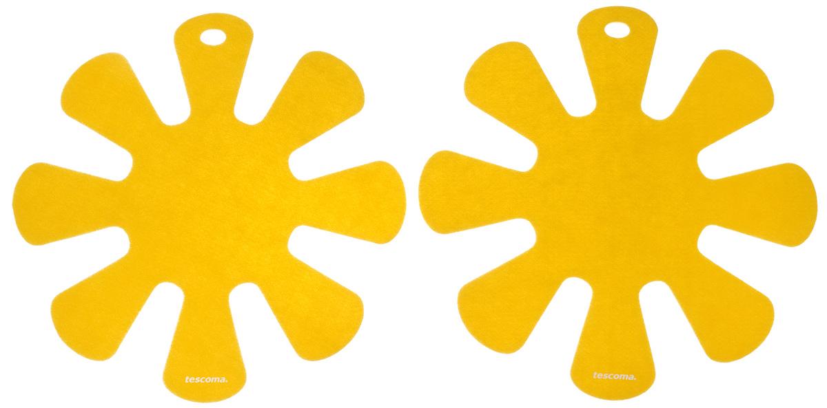 Протектор для хранения посуды Tescoma Presto, цвет: желтый, 2 шт68/5/4Протектор для хранения посуды Tescoma Presto выполнен из прочной синтетической ткани. Он используется для защиты посуды с антипригарным покрытием при хранении на кухне. Подходит для посуды диаметром от 24 до 32 см. Нельзя использовать для горячей или неочищенной посуды.Не использовать в качестве подставки под горячее.Не использовать в посудомоечной машине.Рекомендуется обычная стирка при 40°С.В комплекте 2 протектора.Диаметр протектора: 38 см.