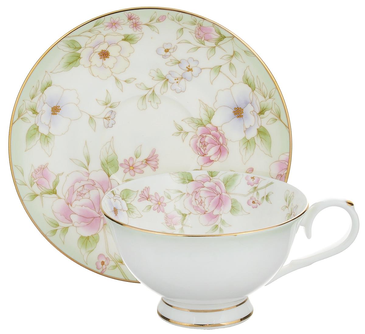 Чайная пара Elan Gallery Карнавал цветов, 2 предмета115510Чайная пара Elan Gallery Карнавал цветов состоит из чашки и блюдца, изготовленных из керамики высшего качества, отличающегося необыкновенной прочностью и небольшим весом. Яркий дизайн, несомненно, придется вам по вкусу.Чайная пара Elan Gallery Карнавал цветов украсит ваш кухонный стол, а также станет замечательным подарком к любому празднику.Не рекомендуется применять абразивные моющие средства. Не использовать в микроволновой печи.Объем чашки: 230 мл.Диаметр чашки (по верхнему краю): 10,5 см.Высота чашки: 6,5 см.Диаметр блюдца: 15 см.Высота блюдца: 2 см.