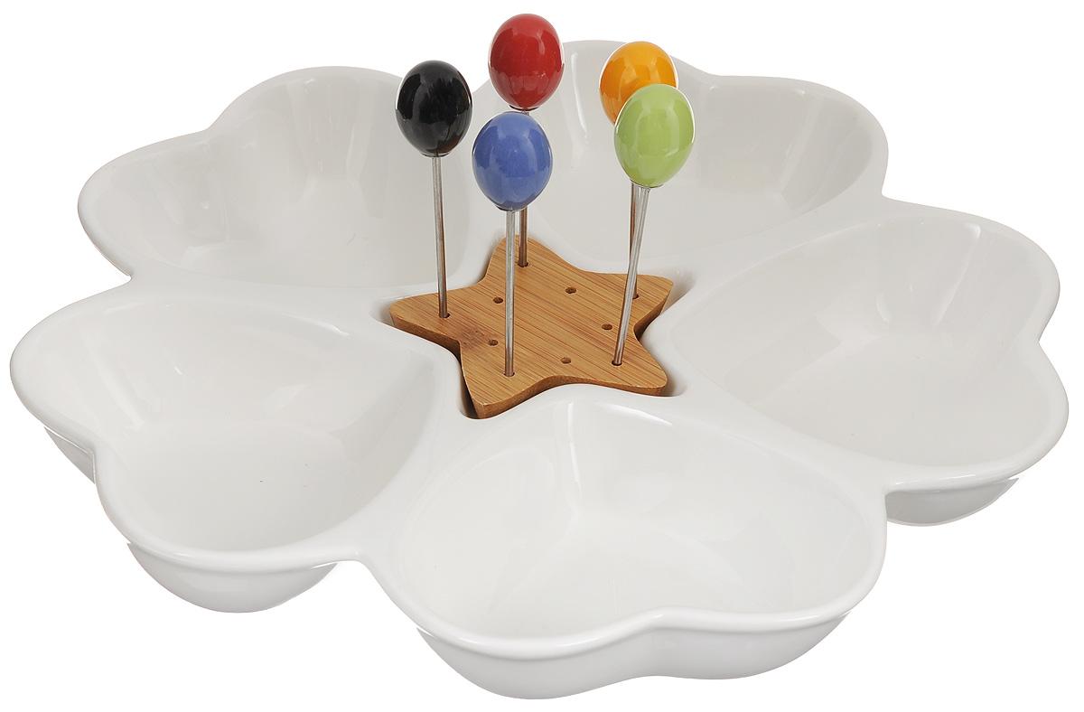 Менажница Elan Gallery Сердце, со шпажками, 5 секциий115510Менажница Elan Gallery Сердце изготовлена из керамики и предназначена для подачи сразу нескольких видов закусок, нарезок или соусов. В комплект также входят 5 разноцветных шпажек, которые вставляются в деревянную подставку.Менажница Elan Gallery Сердце станет настоящим украшением праздничного стола и подчеркнет ваш изысканный вкус. Не использовать в микроволновой печи.Общий размер менажницы: 28 х 28 х 4 см.Размер секций: 11,5 х 9 х 4 см.Длина шпажек: 9,2 см.