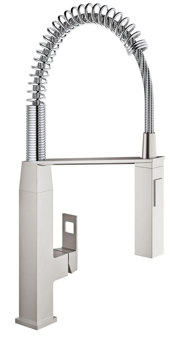 Смеситель для кухни Grohe Eurocube. 31395DC03520Спроектированный в чистом, стильном дизайне, в соответствии с вашей современной кухней, смеситель Grohe Eurocube обладает всеми функциями, которые проницательные повара будут искать в кране: - профессиональный гибкий излив на пружине, с углом поворота излива 360° и возможность переключения между мощный душевым потоком и обычной струей одним нажатием кнопки, смеситель позволяет с легкостью заполнять и промывать кастрюли или мыть рабочую поверхность; - интегрированная технология SilkMove для керамических картриджей обеспечивает плавный и легкий контроль температуры воды и расхода. Выполненный в износостойком хромовом покрытии StarLight, он будет выглядеть безупречно в глянце даже после нескольких лет использования.