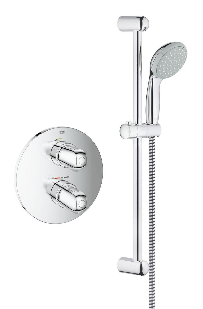 Термостат для душа Grohe Grohtherm 1000 New, со встроенным механизмом, с душевым гарнитуромBL505Термостат для душа Grohe Grohtherm 1000 New идет вместе с полным комплектом оборудования для вашей ванной. Спроектированный с применением технологии Grohe TurboStat®, он будет поддерживать постоянную выбранную температуру воды в течение всего времени принятия душа. Интегрированная кнопка SafeStop не даст вам неосознанно обжечься, ее блокировка по умолчанию установлена на 38°C. Термостат имеет удобные металлические рукоятки, выполненные в износостойком хромовом покрытии Grohe StarLight®. Ручной душ Grohe Tempesta New 100 предложит вам выбор между двумя режимами струй: мягкий режим Rain или мощный режим Jet. Технология Grohe DreamSpray® обеспечит равномерное распределение потока через все форсунки, а наша система SpeedClean против известкового налета дополнит этот потрясающий набор. Для того, чтобы подтвердить нашу заботу об окружающей среде, в термостате использована технология Grohe EcoJoy® обеспечивающая водосбережение.