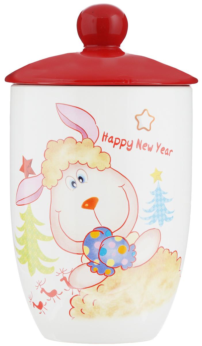 Банка для сыпучих продуктов Loraine Барашек, с крышкой, 750 мл4630003364517Банка для сыпучих продуктов Loraine Барашек изготовлена из прочной доломитовой керамики высокого качества. Гладкая и ровная глазурованная поверхность обеспечивает легкую очистку. Изделие декорировано красочным изображением барашка и надписью: Happy New Year. Банка прекрасно подойдет для хранения различных сыпучих продуктов: специй, чая, кофе, сахара, круп и многого другого. Крышка плотно прилегает к стенкам емкости. Можно использовать в микроволновой печи, в холодильнике и посудомоечной машине. Диаметр (по верхнему краю): 10 см.Высота стенки (без учета крышки): 14 см.