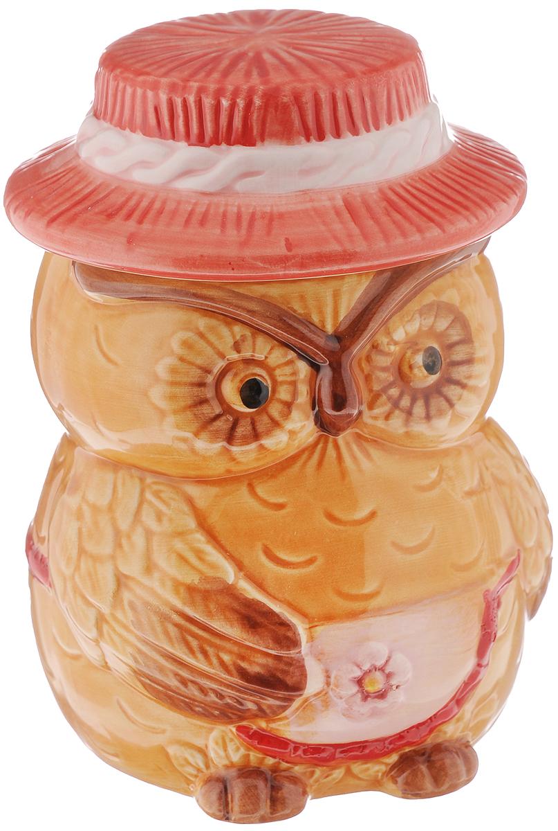 Горшочек для меда Elan Gallery Сова, 520 мл110468Оригинальный горшочек для меда Elan Gallery Сова, выполненный из высококачественной керамики, украсит вашу кухню, особенно на даче. Изделие снабжено плотно закрывающейся крышкой. Можно использовать для сыпучих продуктов - соли и сахара.Не рекомендуется применять абразивные моющие средства. Не использовать в микроволновой печи.Диаметр (по верхнему краю): 7,5 см.Высота (без учета крышки): 10,5 см.