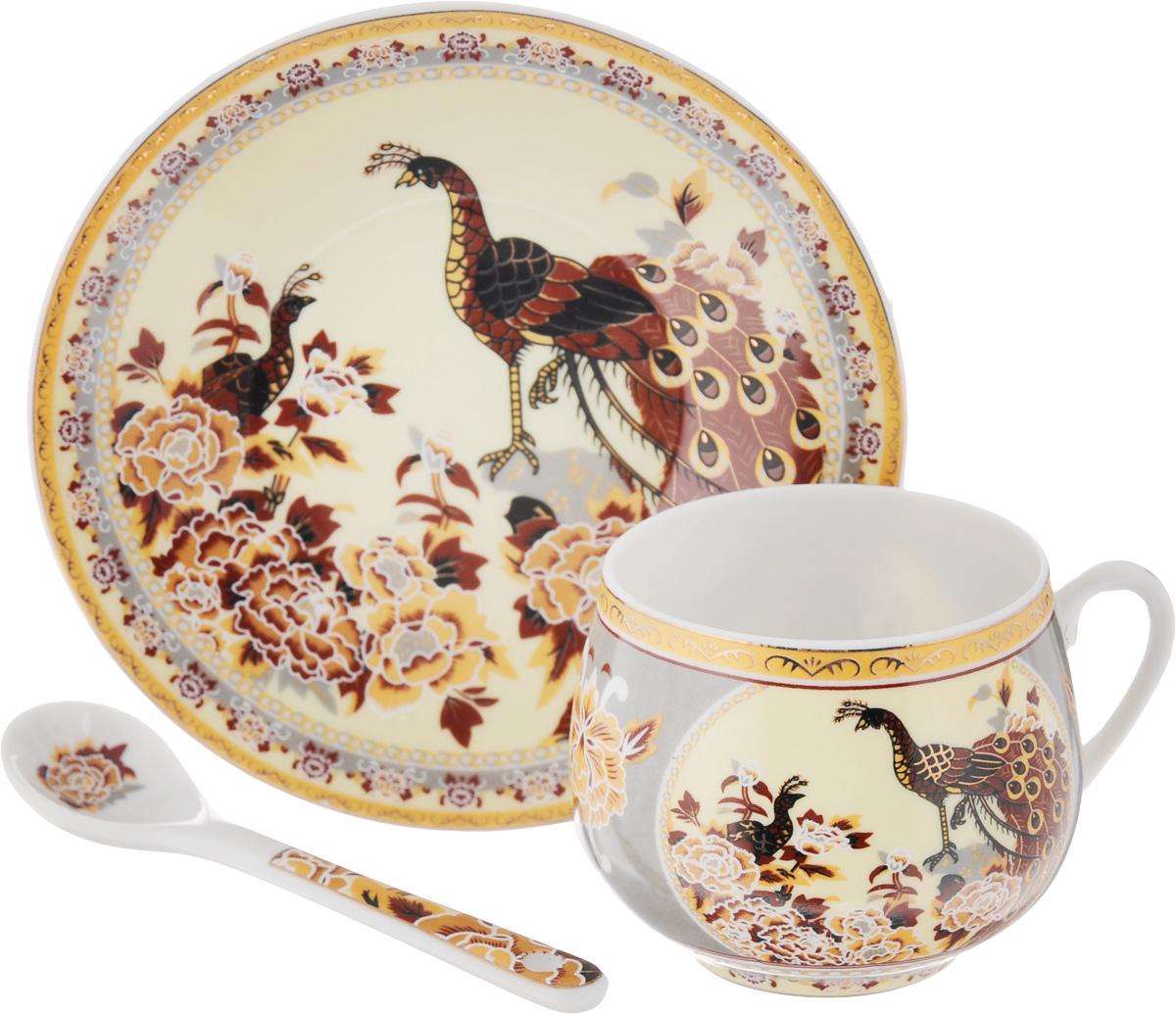 Кофейная пара Elan Gallery Павлин на золоте с ложкой, 130 млVT-1520(SR)Кофейная пара Elan Gallery Павлин на золоте с ложкой выполнены из керамики высокого качества и оформлены красочными рисунками. Яркий дизайн, несомненно, придется по вкусу.Кофейная пара Elan Gallery Павлин на золотеукрасит ваш кухонный стол, а также станет замечательным подарком к любому празднику.Объем чашки: 130 мл.Диаметр чашки (по верхнему краю): 5,5 см.Диаметр основания: 3,5 см.Высота чашки: 5,5 см.Диаметр блюдца: 11,5 см.Длина ложки: 10 см.