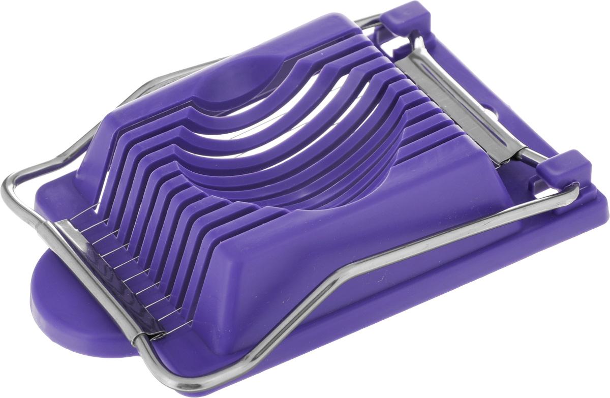 Яйцерезка Metaltex, цвет: фиолетовый54 009312С помощью яйцерезки Metaltex, изготовленной из нержавеющей стали и пластика, вы без труда сможете измельчить яйцо. Хорошо натянутая стальная проволока легко нарезает продукт на кусочки равной толщины. Положите очищенное яйцо, опустите часть с тонкими стальными струнами, и аккуратно разрезанные ломтики готовы для украшения изысканных блюд на фуршете или для салата.