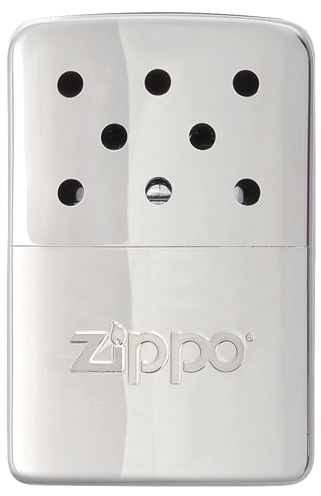 Грелка каталитическая Zippo. 4036040360Каталитическая бензиновая грелка Zippo, выполненная из нержавеющей стали, предназначена для обогрева для рук. Удобная и компактная, она легко помещается в кармане или перчатке. Непрерывная работа возможна в течение более 6 часов. Грелка выделяет тепло путем каталитического горения. Пары топлива проходят через каталитический патрон, где окисляются кислородом - происходит беспламенное горение. В комплект входят мерный стаканчик-наполнитель для заправки и специальный защитный чехол.