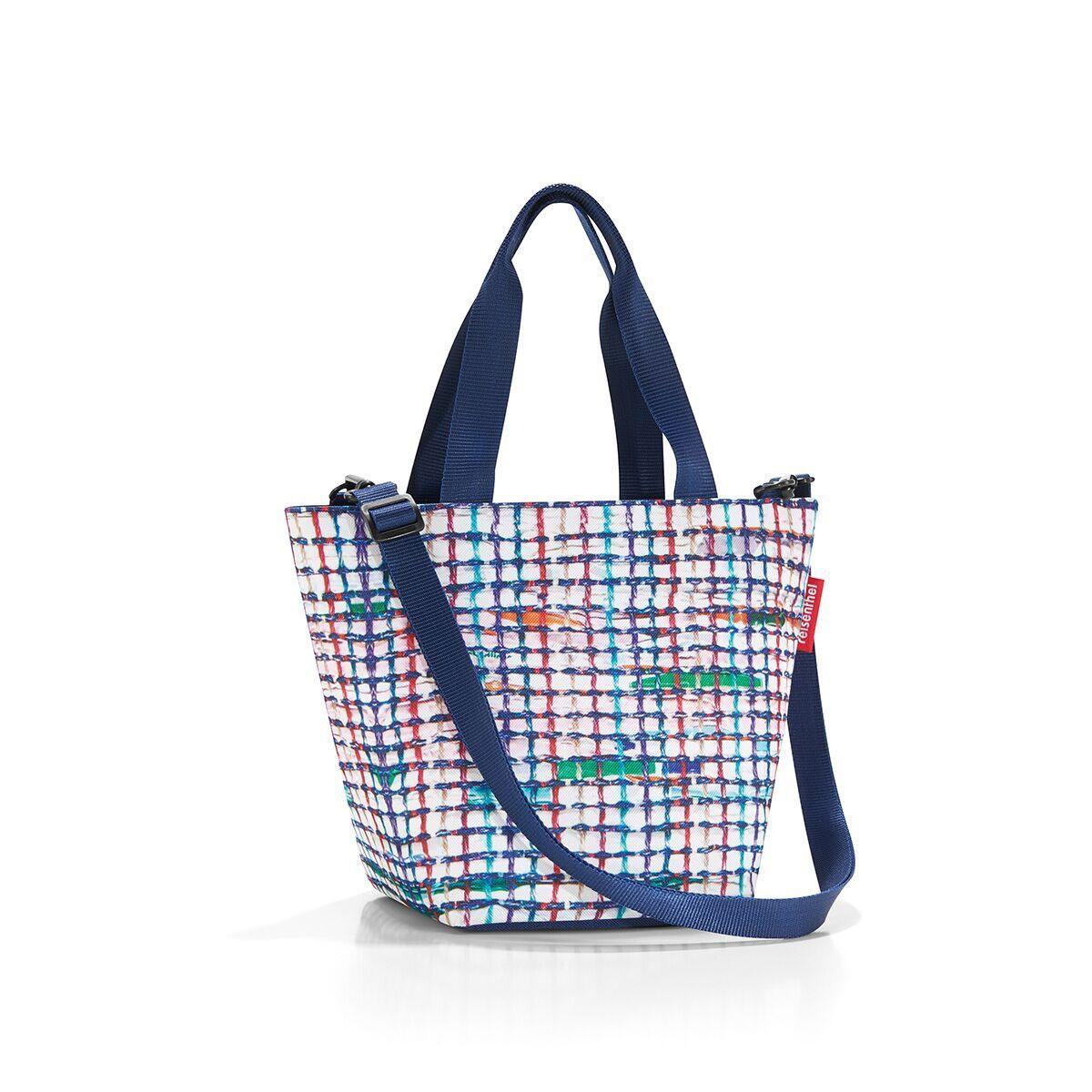 Сумка-шоппер женская Reisenthel, цвет: синий. ZR4041ML597BUL/DУменьшенная версия классической сумки. Симпатичная сумка для похода в магазин: широкие удобные лямки распределяют нагрузку на плече, а объем 4 литра позволяет вместить необходимый батон хлеба, пакет молока и другие вкусности. Застегивается на молнию. Внутри - кармашек на молнии для мелочей. Две ручки плюс ремешок с регулируемой длиной. Специальное уплотненное днище для стабильности. Серия special edition - это лимитированные модели сумок с уникальными принтами. Сочетают расцветки разных коллекций, а также имеют вышивку и аппликацию.