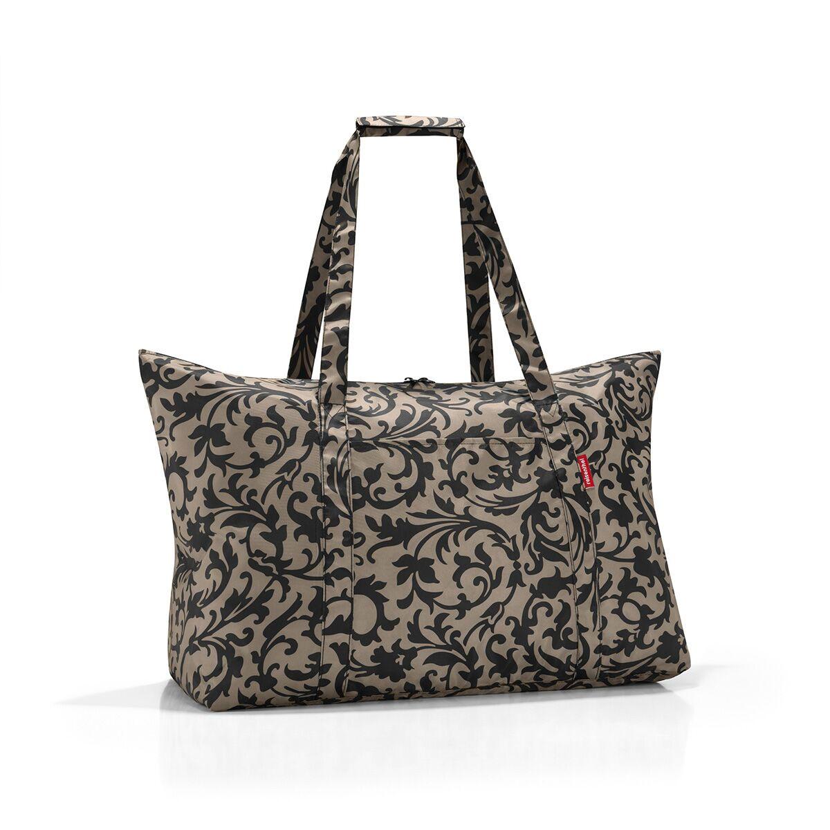 Сумка дорожная жен. Reisenthel, цвет: бежевый. AG7027MD-538-3-1Идеальный компаньон для путешествий, ведь из поездки мы всегда возвращаемся со множеством сувениров и покупок. Так что еще одна сумка пригодится. Она легко складывается в маленький чехол, которые можно взять с собой в сумке или рюкзаке. Так же можно использовать для похода за продуктами.Внутренний объем сумки - 30 литров. Есть внешний кармашек для мелочей. Для удобства ручки сумки можно соединить между собой.