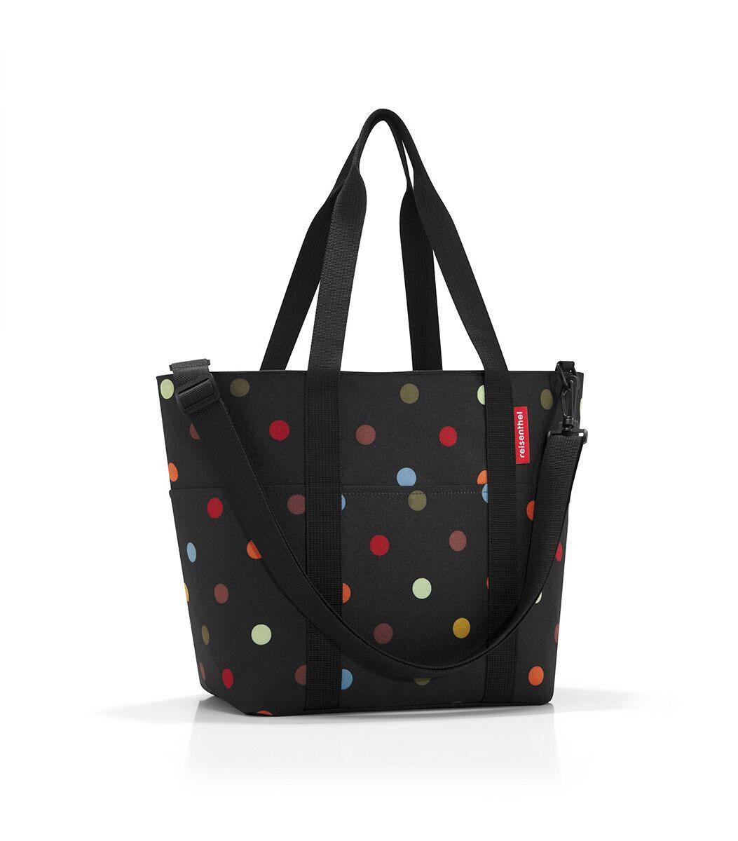 Сумка-шоппер женская Reisenthel, цвет: черный. MZ700910931-1Универсальная сумка для прогулок, пикника или шоппинга. Продуманный дизайн сочетает внешнюю привлекательность и исключительную практичность. Изобилие карманов и отделений помогает держать в порядке даже большое количество разнообразных вещей.У модели вместительное основное отделение на молнии, 2 удобные ручки для переноски, съемный регулируемый наплечный ремень, 4 внешних и 6 внутренних отделения, небольшой потайной карман, вшитый в подкладку, подкладка на дне, обеспечивающая прочность и стойкую форму, материал: высококачественный водостойкий полиэстер, объем – 15 литров.