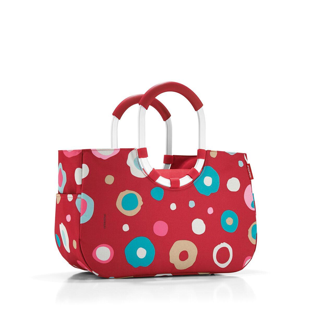 Сумка женская Reisenthel, цвет: темно-красный, голубой, розовый. OS3048S76245Практичная женская сумка Reisenthel изготовлена из текстиля и оформлена оригинальным принтом. Сумка имеет одно отделение, внутри которого находится прорезной карман на застежке-молнии. Снаружи, по боковым сторонам сумки расположены накладные открытые карманы. Изделие оснащено съемным отделением на застежке-молнии, которое пристегивается к сумке с помощью хлястиков с кнопками. Съемное отделение снаружи дополнено прорезным карманом на застежке-молнии и накладным открытым кармашком. Сумка оснащена двумя алюминиевыми ручками с прорезиненными накладками, которые фиксируются с помощью липучек. Основание изделия защищено от повреждений пластиковыми ножками.