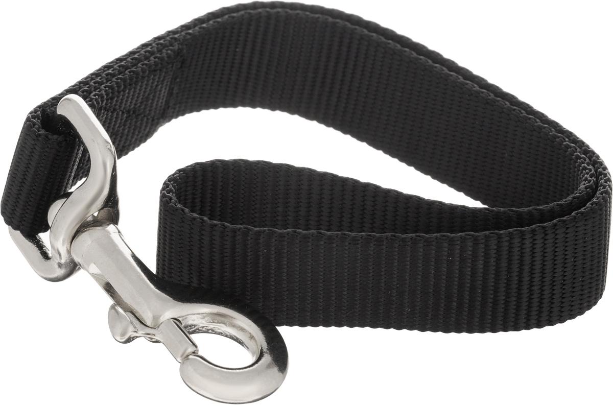 Водилка-ручка для собак V.I.Pet, цвет: черный, ширина 2,5 см, длина 35 см72-0401Водилка-ручка V.I.Pet изготовлена из брезента и стали. Это прочный короткий поводок с мощным карабином. Изделие удобно для городских прогулок, когда необходимо вести большую собаку рядом, также используется для дрессировки собак.Водилка-ручка отличается не только исключительной надежностью, но и привлекательным дизайном.Длина водилки: 35 см.Ширина водилки: 2,5 см.