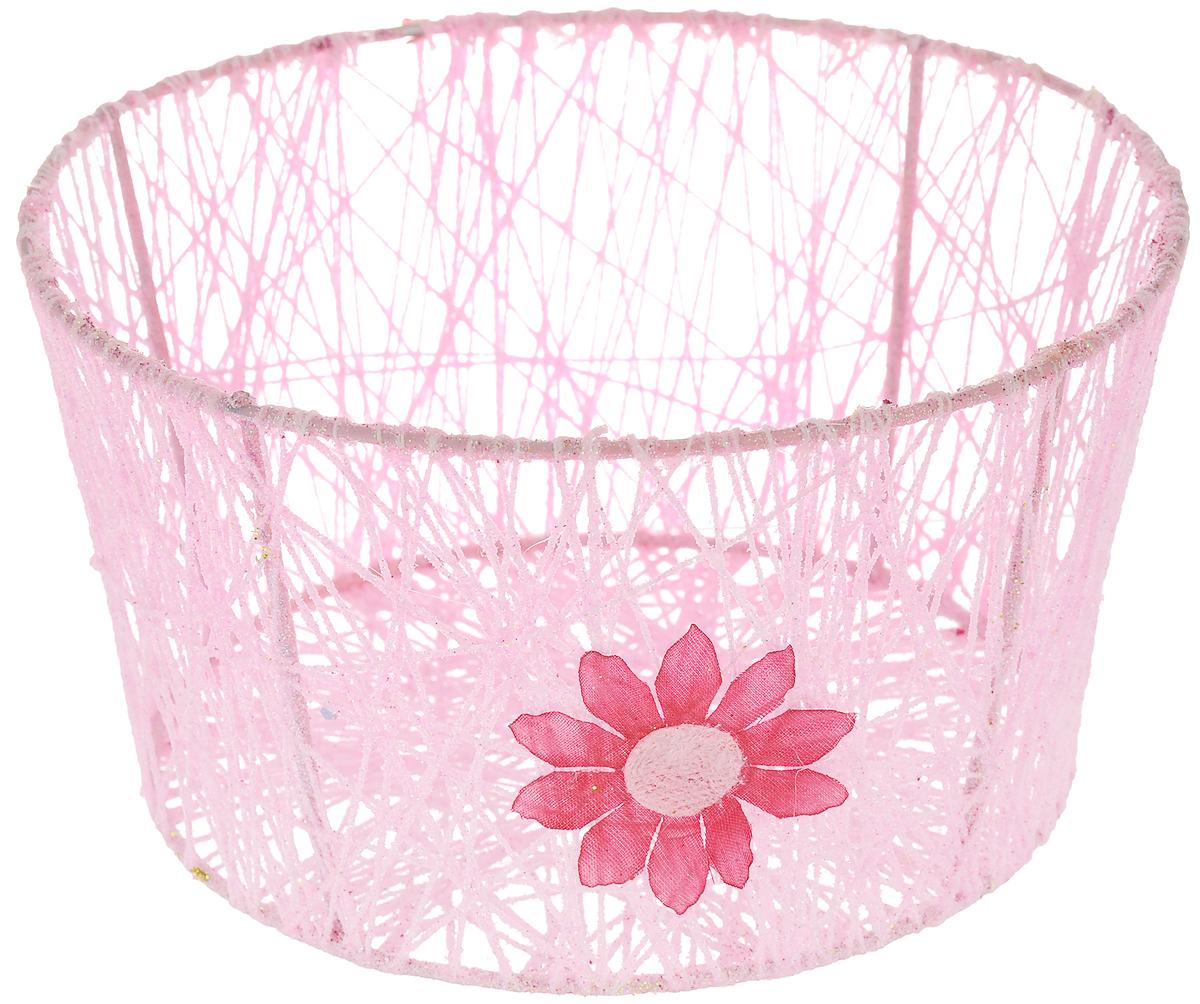 Корзина декоративная Home Queen Сияние, цвет: розовый, диаметр 18 см54 009312Декоративная корзинка Home Queen Сияние прекрасно подойдет для хранения пасхальных яиц, а также различных мелочей. Корзинка имеет металлический каркас, обтянутый нитями из полиэстера. Блестки придают изделию особый праздничный вид. Сбоку корзинка декорирована аппликацией в виде цветочка. Такая корзинка украсит интерьер дома к Пасхе, внесет частичку тепла и веселья в ваш дом.