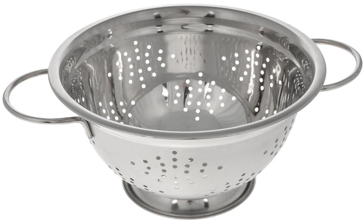Дуршлаг Mayer & Boch, диаметр 24 см115510Дуршлаг Mayer & Boch изготовлен из высококачественной нержавеющей стали с зеркальной полировкой. Дуршлаг снабжен двумя ручками, а также круглой подставкой, что делает удобным его использование. Такой дуршлаг идеален для процеживания ягод, спагетти, салата, овощей и других продуктов. Дуршлаг Mayer & Boch станет незаменимым аксессуаром на вашей кухне и придется по душе любой хозяйке. Диаметр (по верхнему краю): 24 см. Диаметр основания: 11 см. Высота стенки: 13 см.