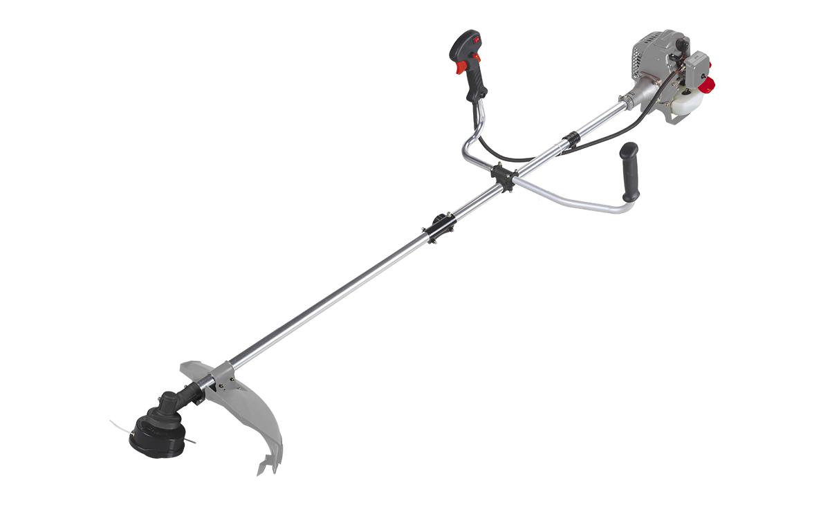 Триммер бензиновый Ставр ТБ-800ЛРст1000лрБензиновый триммер Ставр ТБ-800ЛР - легкий инструмент, при помощи которого можно подравнять траву на приусадебном участке, возле садового домика. В качестве режущего элемента используется нейлоновая леска или нож.Объем двигателя: 25,4 см3.Мощность: 0,8 кВт.Ширина скашивания: 44 см.Толщина лески: 2,4 мм.Тип штанги: разборная.Топливная смесь: бензин АИ-92+Масло 25:1.