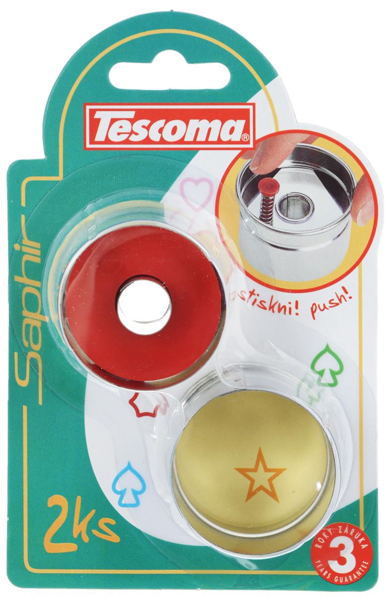 Пресс-форма для печенья Tescoma Круги, диаметр 4,5 см, 2 шт68/5/2Пресс-форма Tescoma Круги для печенья выполнена из высококачественного металла и пластика. С помощью пресс-формы вырежьте из теста форму, перенесите на лист и нажатием пружины выдавите тесто. Нижнюю часть печенья с начинкой вырежьте с помощью обычной формы, которая идет в комплекте.Не рекомендуется мыть в посудомоечной машине. Диаметр формы: 4,5 см.
