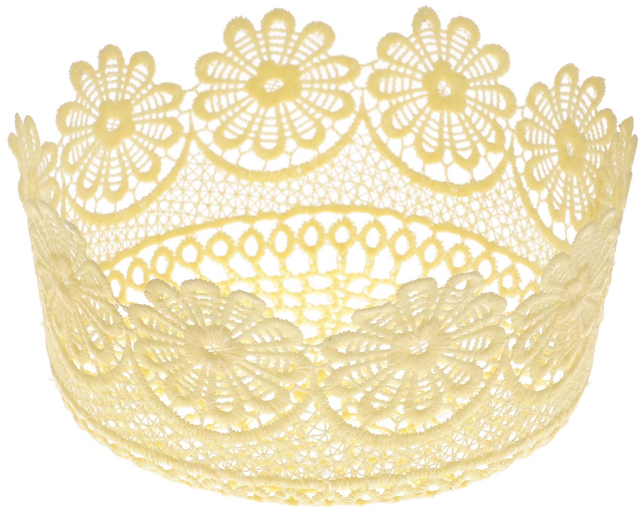 Корзина декоративная Home Queen Ромашки, цвет: желтый, диаметр 17 см391602Декоративная ажурная корзина Home Queen Ромашки, выполненная из полиэстера, предназначена для хранения различных мелочей и аксессуаров, также отлично подойдет для пасхальных яиц и кулича. Изделие имеет жесткую форму.Такая корзина станет оригинальным украшением интерьера к Пасхе.