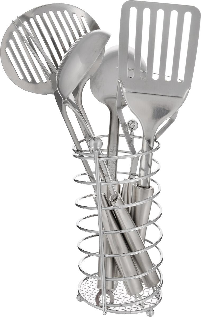 Набор кухонных принадлежностей Bekker, 7 предметов. BK-3235BK-3235Набор кухонных принадлежностей Bekker состоит из ложки кулинарной, вилки кулинарной, половника, шумовки, лопатки кулинарной, пресса для картофеля и металлической подставки. Предметы набора выполнены из высококачественной нержавеющей стали и оснащены эргономичными ручками. Они имеют отверстия на конце, благодаря которым, вы сможете их подвесить в любое для вас удобное место. Эксклюзивный дизайн, эстетичность и функциональность набора Bekker позволят ему занять достойное место среди кухонного инвентаря. Длина ложки: 32 см. Длина вилки: 34 см. Длина половника: 30,5 см. Длина шумовки: 34 см. Длина лопатки: 34 см. Длина пресса для картофеля: 25,5 см. Размер подставки: 10 х 10 х 20 см.