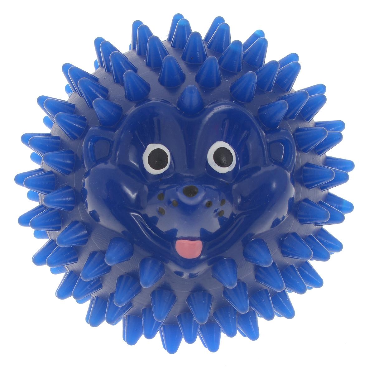 Массажер Дельтатерм Шарик-Ежик, цвет: синий, диаметр 65 ммFMS-230H-EUС помощью массажного мяча Дельтатерм Шарик-Ежик можно самостоятельно проводить мягкий массаж ладоней, стоп и всего тела. Такой массаж способствует повышению кожно-мышечного тонуса, уменьшению венозного застоя и ускорению капиллярного кровотока, улучшению функционирования периферической и центральной нервных систем. Массажер выполнен из гибкого пластика с шипами на поверхности и стилизован под веселого ежика. Идеально подходит для проведения массажа у маленьких детей. Развивает мышление, координацию движений и совершенствует моторику нежных пальчиков малыша и является интересной веселой игрушкой.