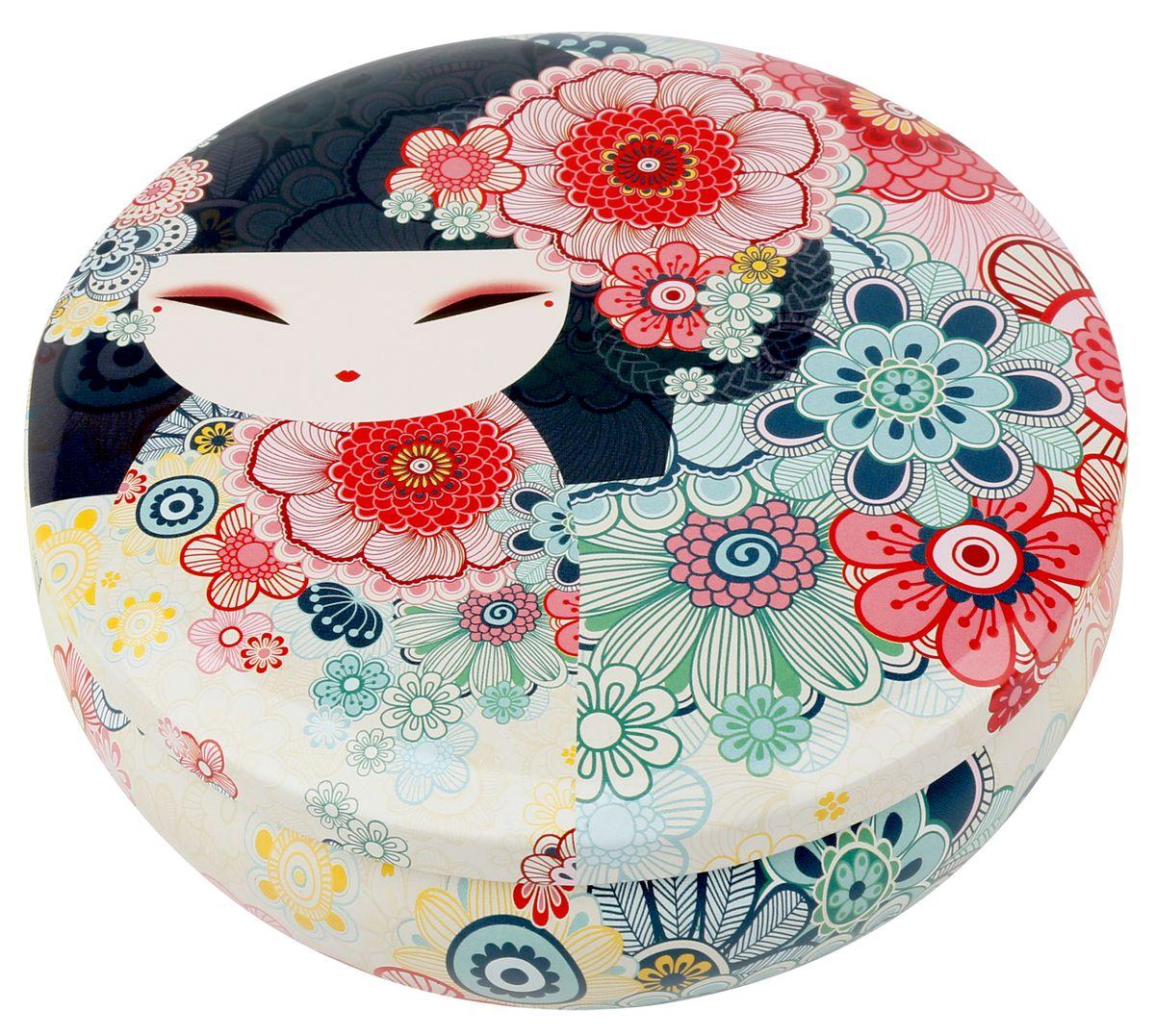 Шкатулка жестяная Kimmidoll Тамако (Совершенство). KH096328907 4Шкатулка Kimmidoll Тамако (Совершенство) изготовлена из жести и оформлена изображением японской куколки кокеши. Шкатулка содержит вместительное отделение, надежно закрывающееся крышкой.Такая шкатулка не только надежно сохранит вашу бижутерию, но и станет необычным украшением интерьера.Привет, меня зовут Тамако! Я талисман совершенства! Мной восхищаются и обожают. Ваша внутренняя красота и природное совершенство являются истинным проявлением моего удивительного духа. Пусть изысканность вашей души ярко светит в этом мире, чтобы все смогли насладиться её прекрасным светом.
