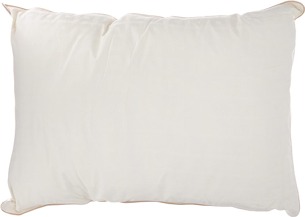 Подушка Легкие сны Мечта, наполнитель: гусиный пух, 50 х 68 см20736Подушка Легкие сны Мечта поможет расслабиться, снимет усталость и подарит вам спокойный и здоровый сон. Изделие обеспечит комфортную поддержку головы и шеи во время сна.В качестве наполнителя используется серый гусиный пух второй категории. Подушка в меру упругая, имеет превосходный объем и способна быстро восстанавливать форму. Она укомплектована двумя чехлами. Нижний чехол выполнен из прочного пуходержащего хлопкового тика. Это натуральная хлопчатобумажная ткань, отличающаяся высокой плотностью, идеально подходит для пухо-перовых изделий, так как устойчива к проколам и разрывам, а также отличается долговечностью в использовании. Верхний чехол изготовлен из роскошного сатина цвета шампань с тиснением страйп (полоски). Ткань придает подушке особую гладкость и восхитительный внешний вид, по краю подушки отделка кантом цвета какао. Подушку можно стирать в стиральной машине. Степень поддержки: упругая.