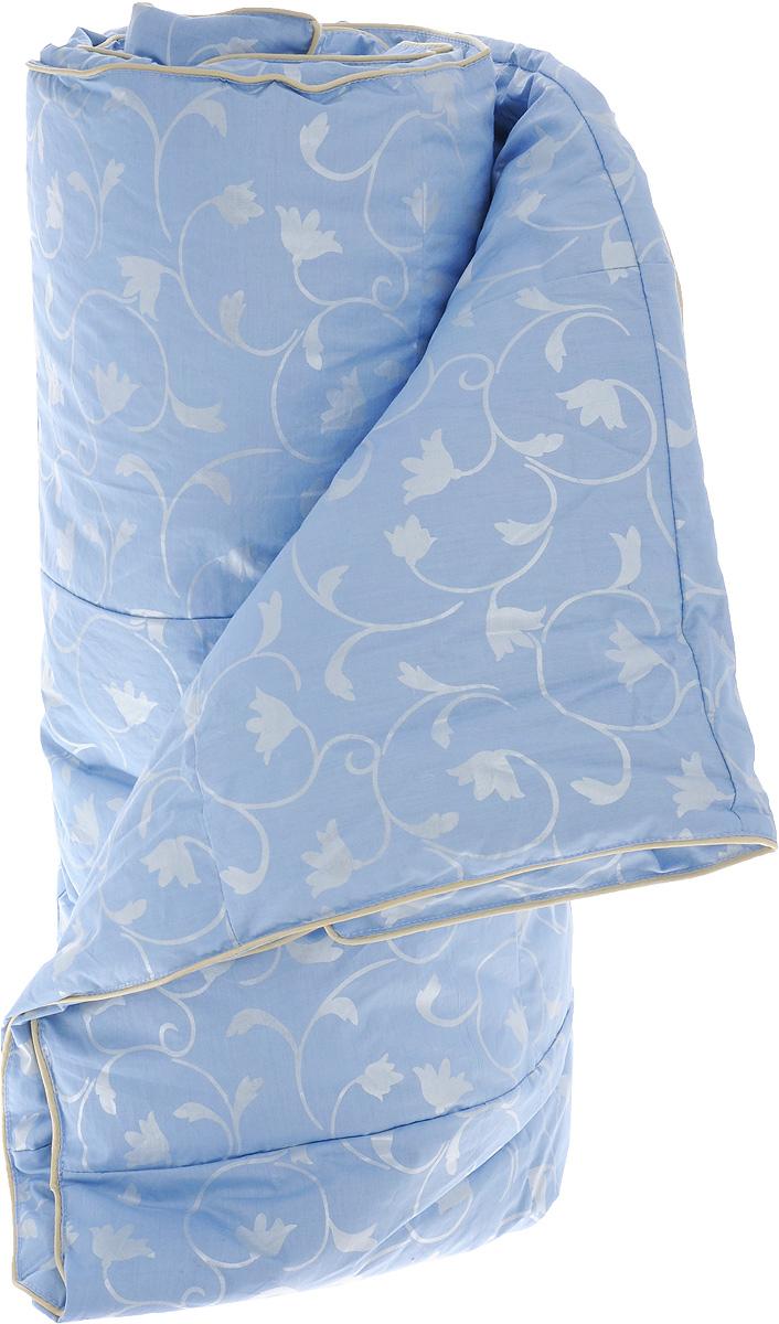 Одеяло легкое Легкие сны Камелия, наполнитель: гусиный пух, 140 х 205 см10503Легкое 1,5-спальное одеяло Легкие сны Камелия поможет расслабиться, снимет усталость и подарит вам спокойный и здоровый сон. Оно наполнено серым гусиным пухом первой категории. Кассетное распределение пуха способствует сохранению формы и воздушности изделия. Легкое пуховое одеяло - универсальный вариант на осень, весну и лето. Облегченное исполнение гарантирует воздушность и терморегуляцию. Одеяло позволяет коже дышать, обеспечивая здоровый сон и полное восстановление сил на утро. Чехол изделия выполнен из пуходержащего тика небесно-голубого цвета с растительным рисунком. Тик - это натуральная хлопчатобумажная ткань, отличающаяся высокой плотностью, идеально подходит для пухо-перовых изделий, так как устойчива к проколам и разрывам, а также отличается долговечностью в использовании. Одеяло простегано и отделано по краю шелковым кантом золотистого цвета. Изделие можно стирать в стиральной машине.
