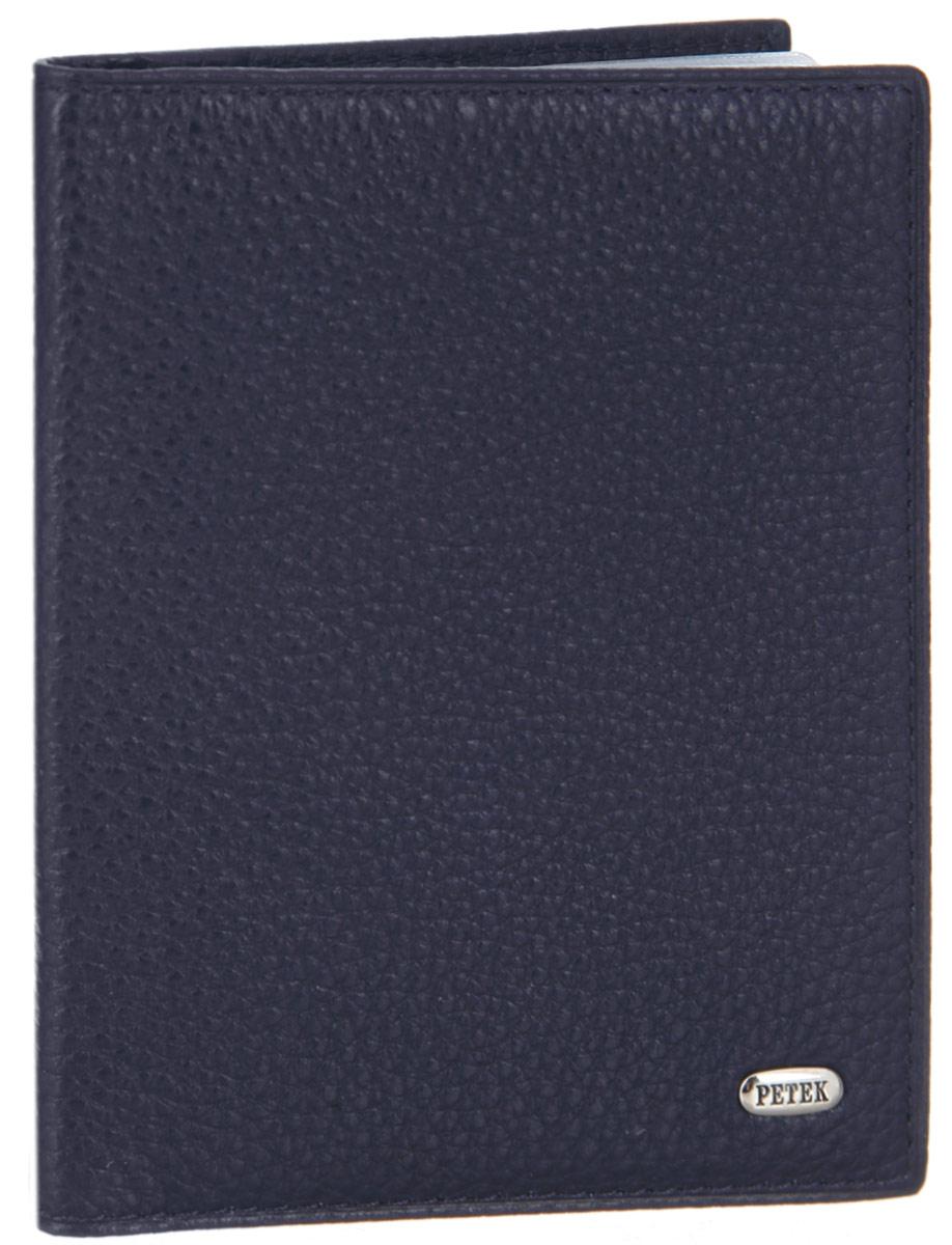 Обложка для автдокументов Petek 1855, цвет: синий. 584.46B.8823/0121/219Стильная обложка для автодокументов Petek 1855 изготовлена из натуральной кожи с зернистой фактурой, оформлена металлической пластиной с символикой бренда.Внутри изделия расположены четыре прорезных кармашка для пластиковых карт, сетчатый карман и вкладыш, включающий в себя шесть файлов под автодокументы. Изделие поставляется в фирменной упаковке.Практичная и удобная модель обложки предназначена для тех, кто предпочитает все необходимое хранить в одном месте.