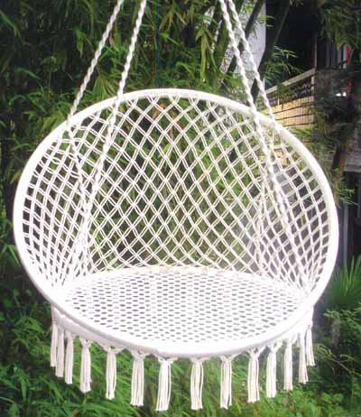 Гамак-кресло подвесное, O 60 см WILDMANK100Гамак – место для отдыха, кровать, парящая над землей, ему всегда будут рады и на приусадебном участке, и в доме, и в квартире. Гамаки способны сделать уютным и удобным любой летний отдых.Поход в лес – и качественный гамак-сетка станет местом для сна. Поездка за город – и он превратится в личный уголок, где можно полежать с книжкой, подремать, скрыться от суеты и солнца.