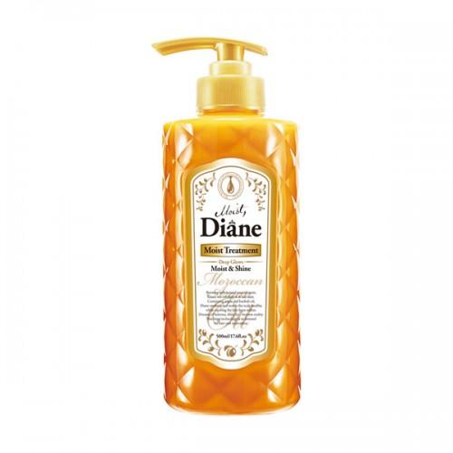 Бальзам Diane Moist & Shine Глубокое увлажнение сухих волос, 500 млCF5512F4Бальзам с ароматом лесных ягод на основе масел придаёт блеск и сияние, увлажняя и оживляя волосы изнутри. Защищает от пагубных ультрафиолетовых лучей, увлажняет кожу головы, способствуя её регенерации, и помогает избавиться от перхоти. Стимулирует рост волос и борется с их выпадением, укрепляя волосяные луковицы.Фитостерин как стабилизатор гормонального баланса и иммунной системы предотвращает развитие седины, выпадение волос и различные виды аллопеции. Кератин, попадая на волосы, проникает в их структуру, заполняет собой мельчайшие трещинки, склеивает посеченные кончики и наполняет волосы дополнительной прочностью и объёмом.Рекомендуется использовать в комплексе с шампунем для волос той же линии.